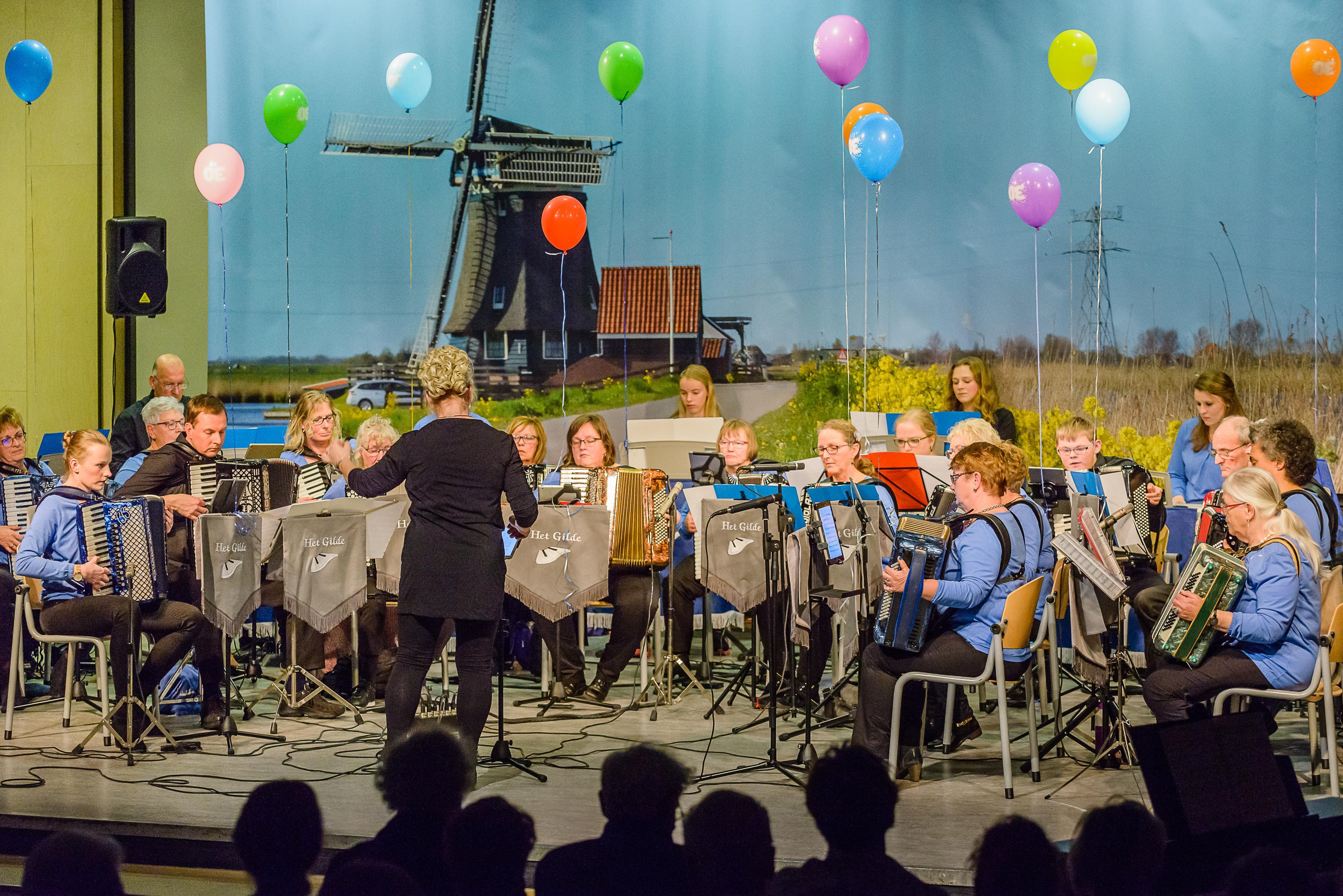 Rijp en groen samen in concert van Het Gilde in aula Bertrand Russell Krommenie