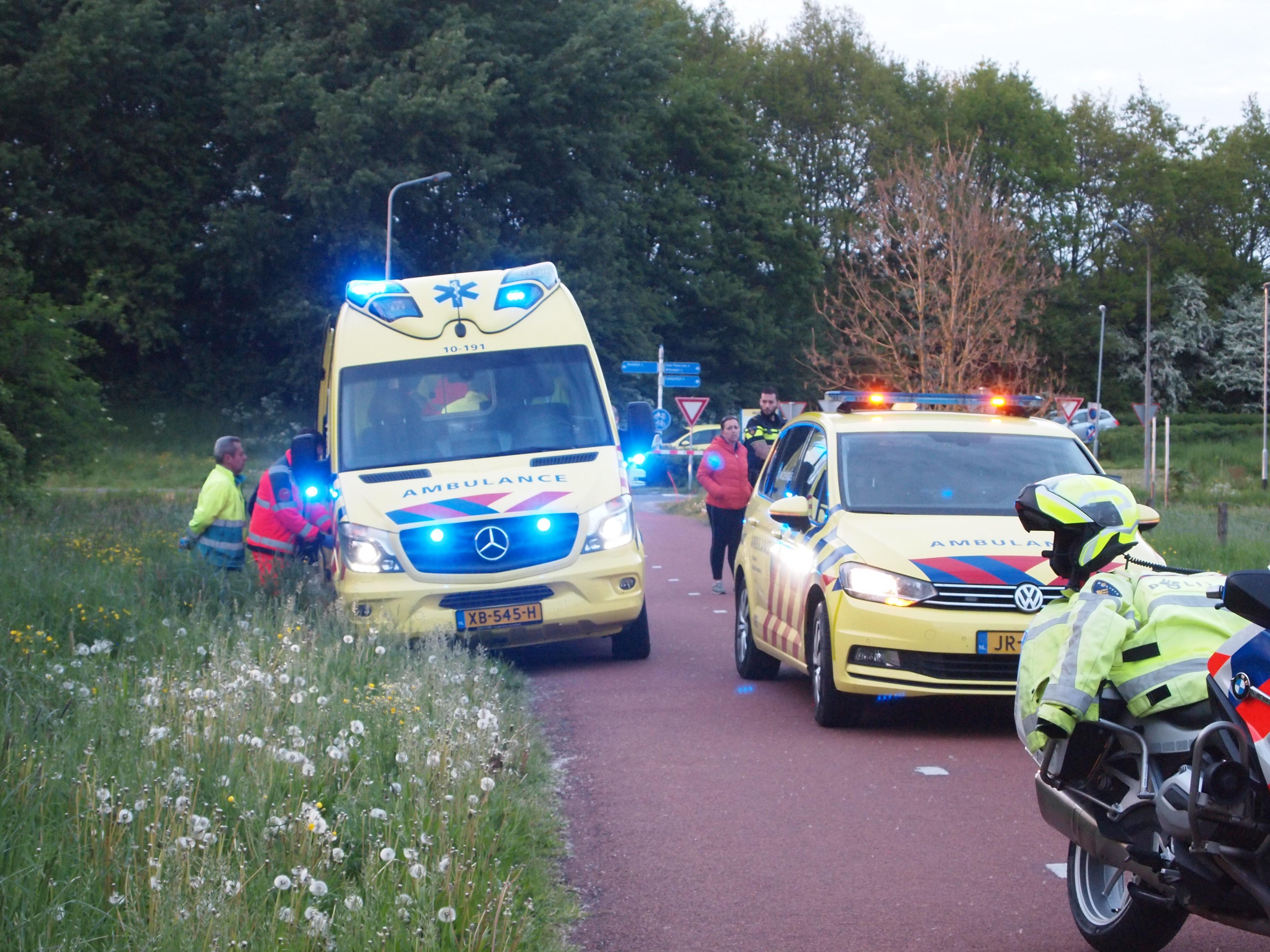 Traumaheli landt in Koedijk voor onwel geworden hardloper, politie krijgt hulp bij identificatie [update]
