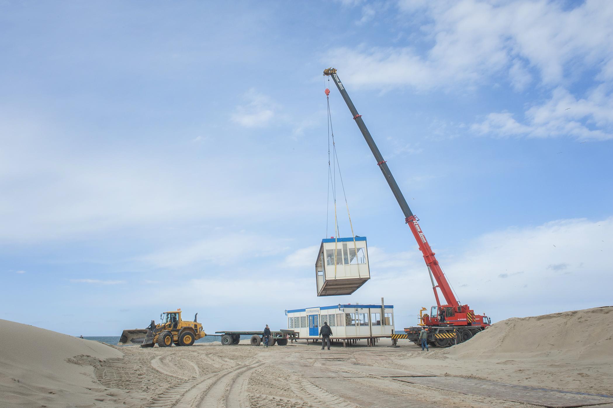 Texelse strandpaviljoens mogen deze winter toch op het strand blijven staan. 'Dit was niet te verkopen'