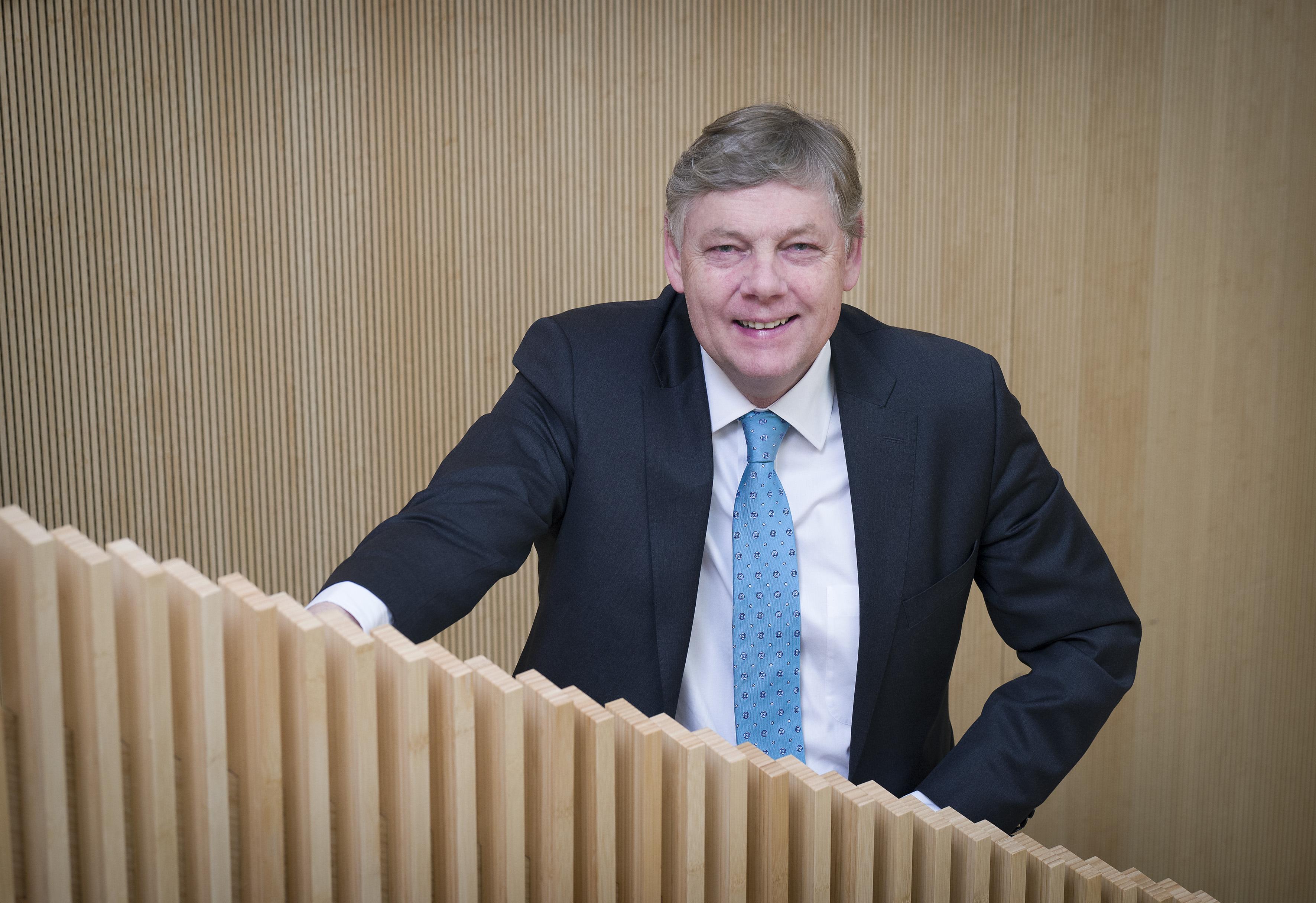 Burgemeester Roest onderzoekt melding van schenden integriteit Bloemendaals raadslid Mark Doorn