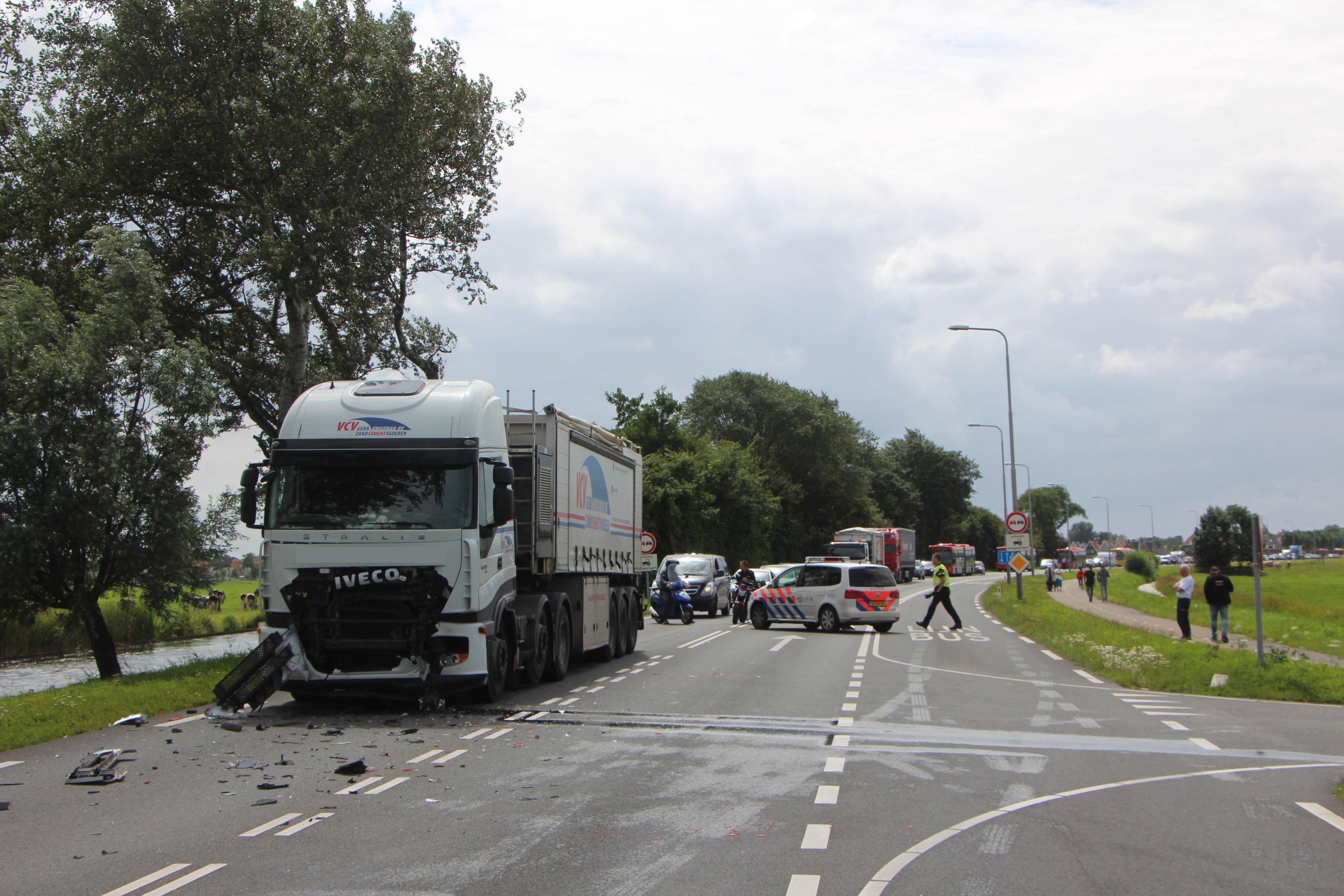 Ernstig ongeval met vrachtwagen op N247 [video]