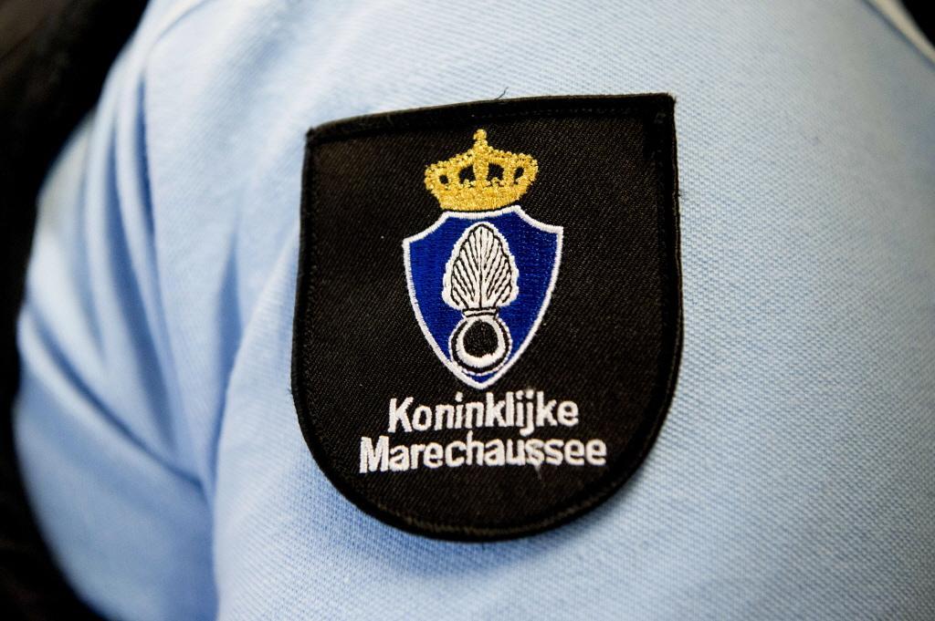Nederlands marineschip in haven van Den Helder doorzocht op drugs