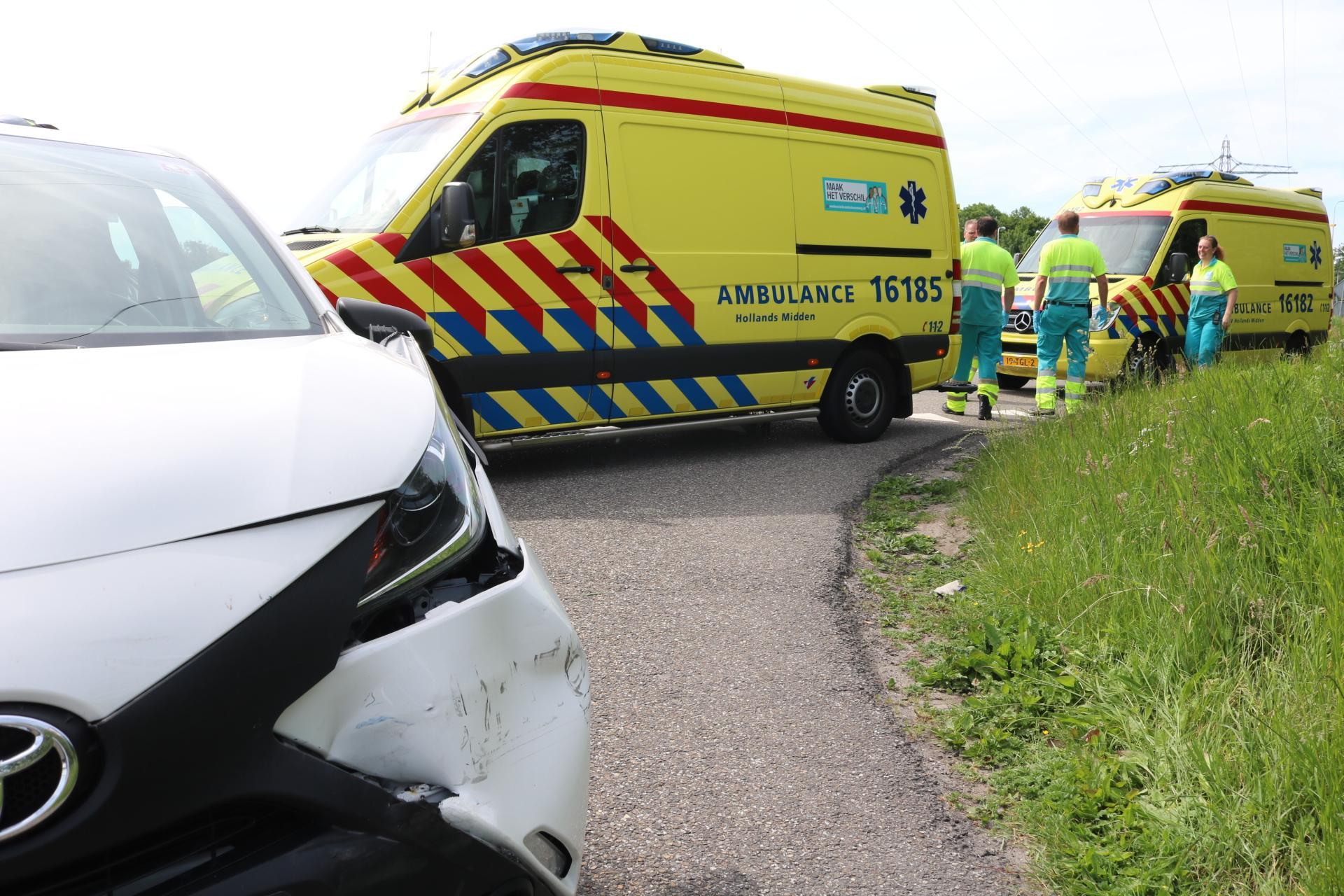 Zwangere vrouw gewond bij botsing op de A44 bij Sassenheim