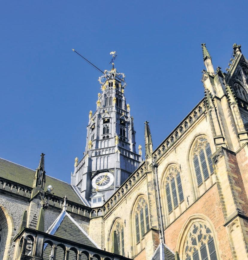 De toren van de Haarlemse Bavo is vijfhonderd jaar. Nachtwakers moesten de Roeland luiden bij brand of onraad