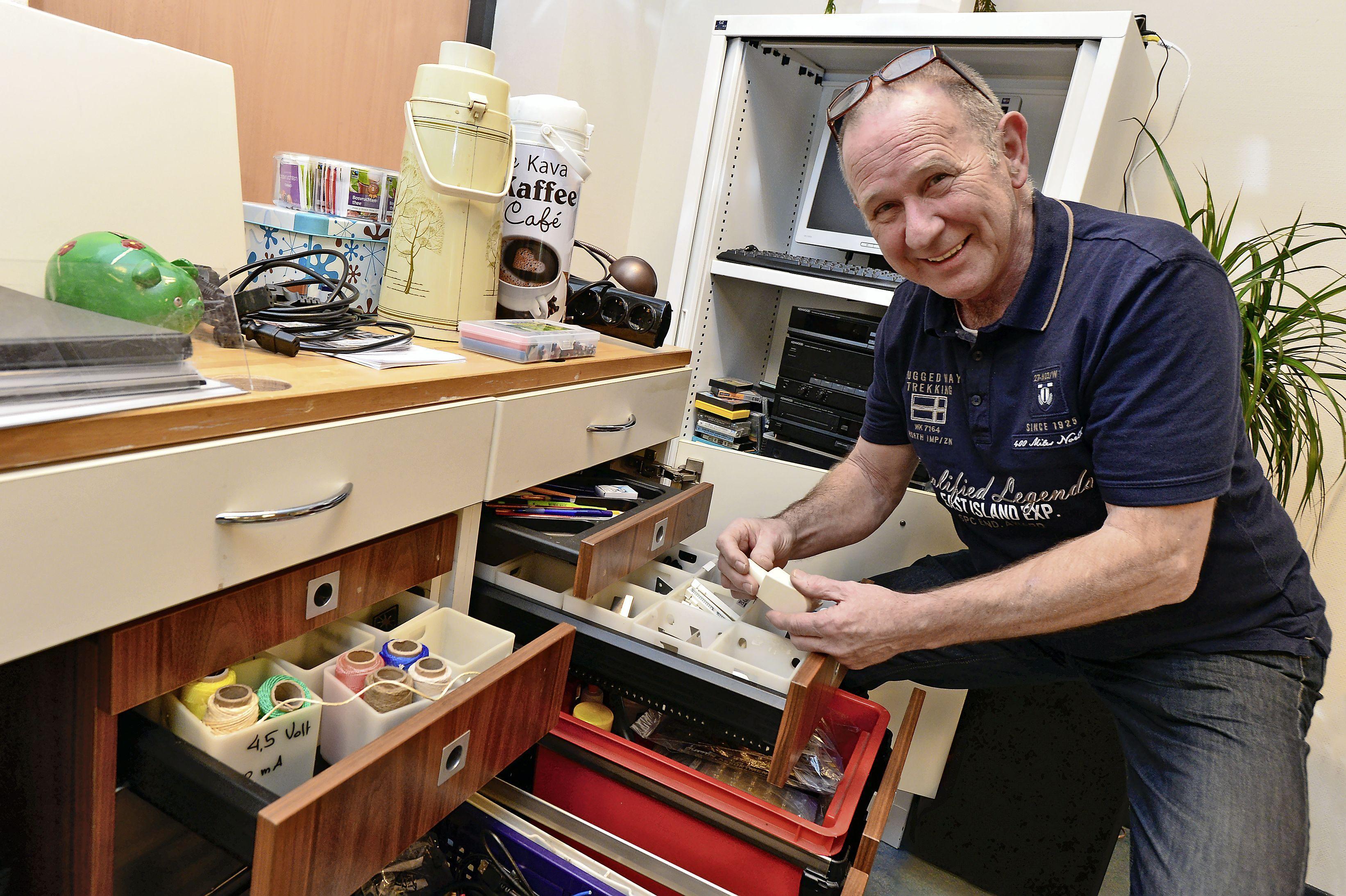 Repaircafés weer aarzelend open. 'Kapotte spullen niet meteen weggooien'
