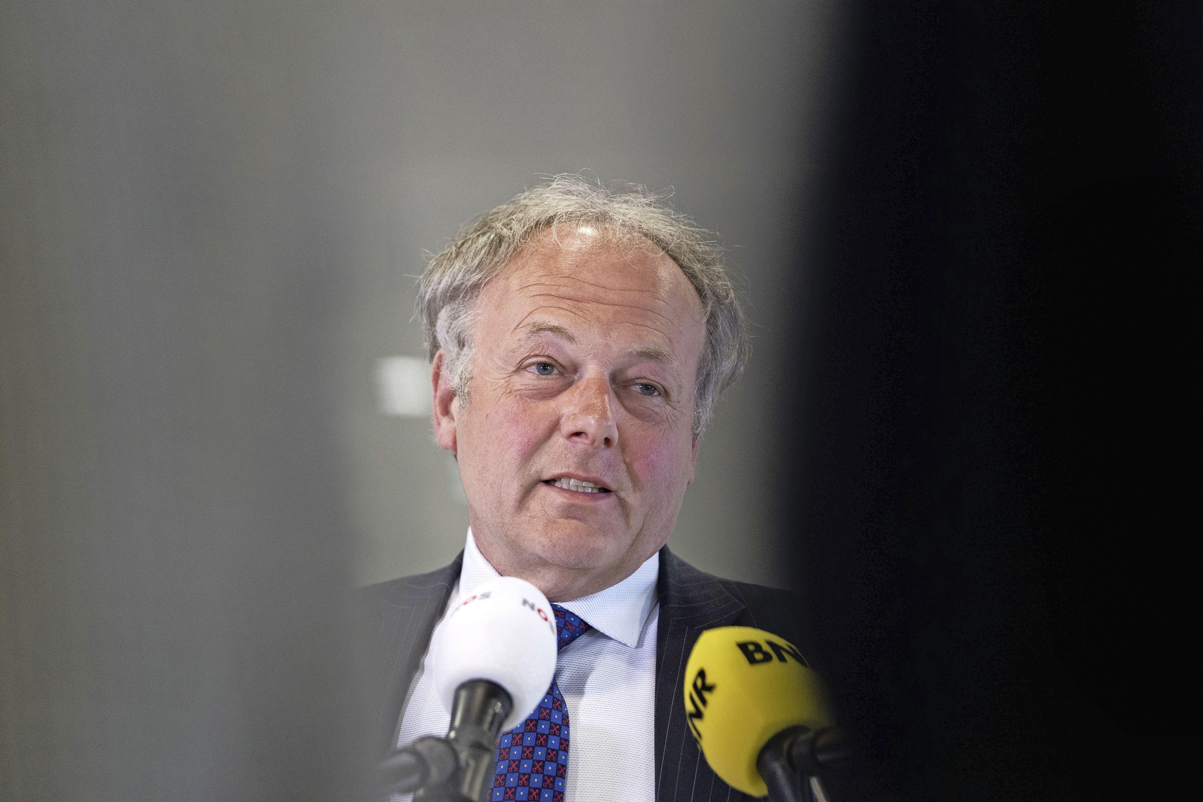 Burgemeester van Leiden overweegt maatregelen tegen drukte in het Plantsoen: geen harde muziek, en na bepaalde tijd geen alcohol en samenscholing van grote groepen