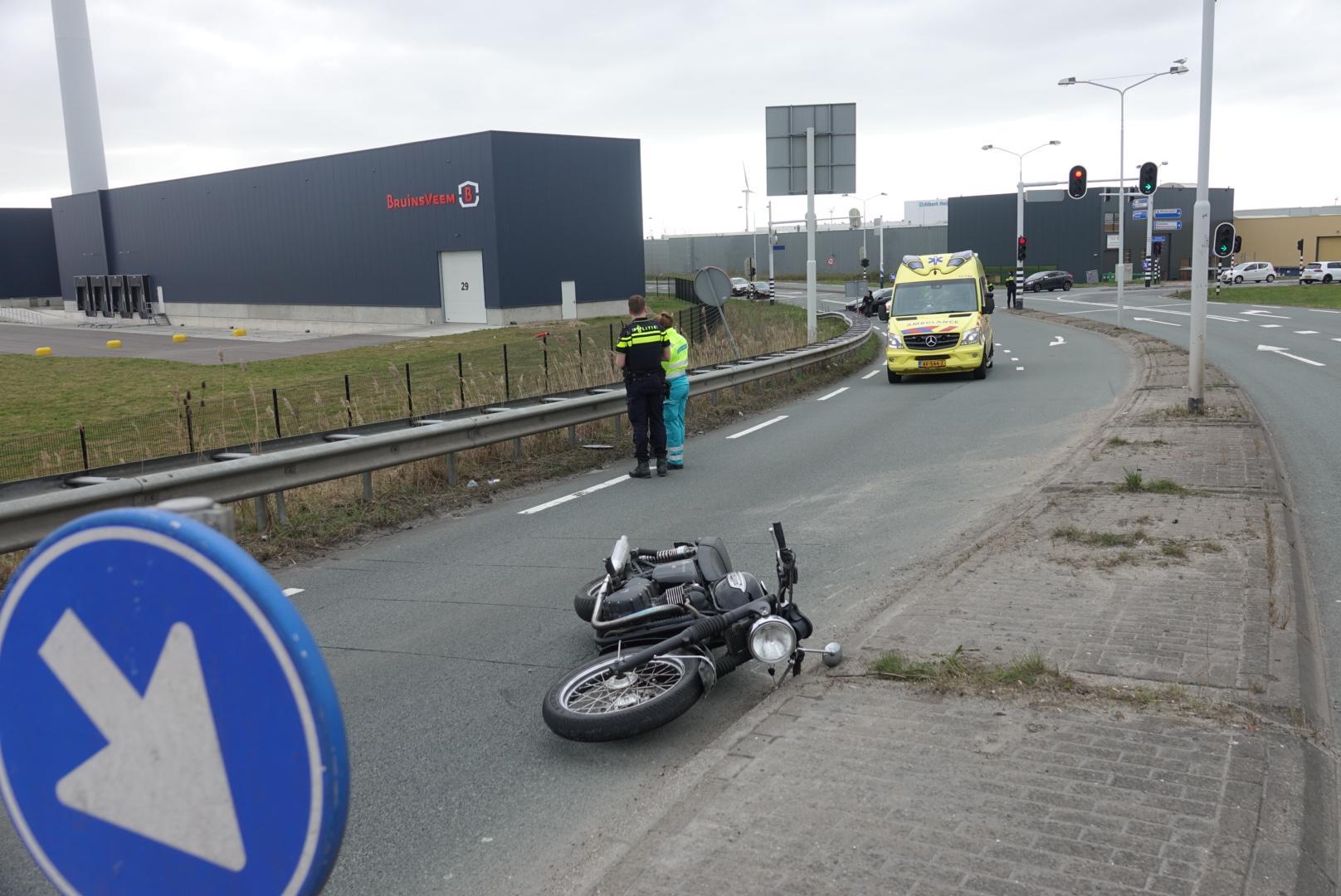 Motorrijder ernstig gewond bij ongeluk in Zaandam
