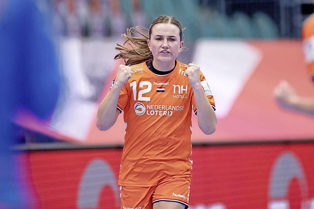 'De twee jaar in Duitsland zijn me erg goed bevallen', zegt Bo van Wetering. De handbalinternational uit Heerhugowaard vervolgt haar sportieve carrière in Denemarken
