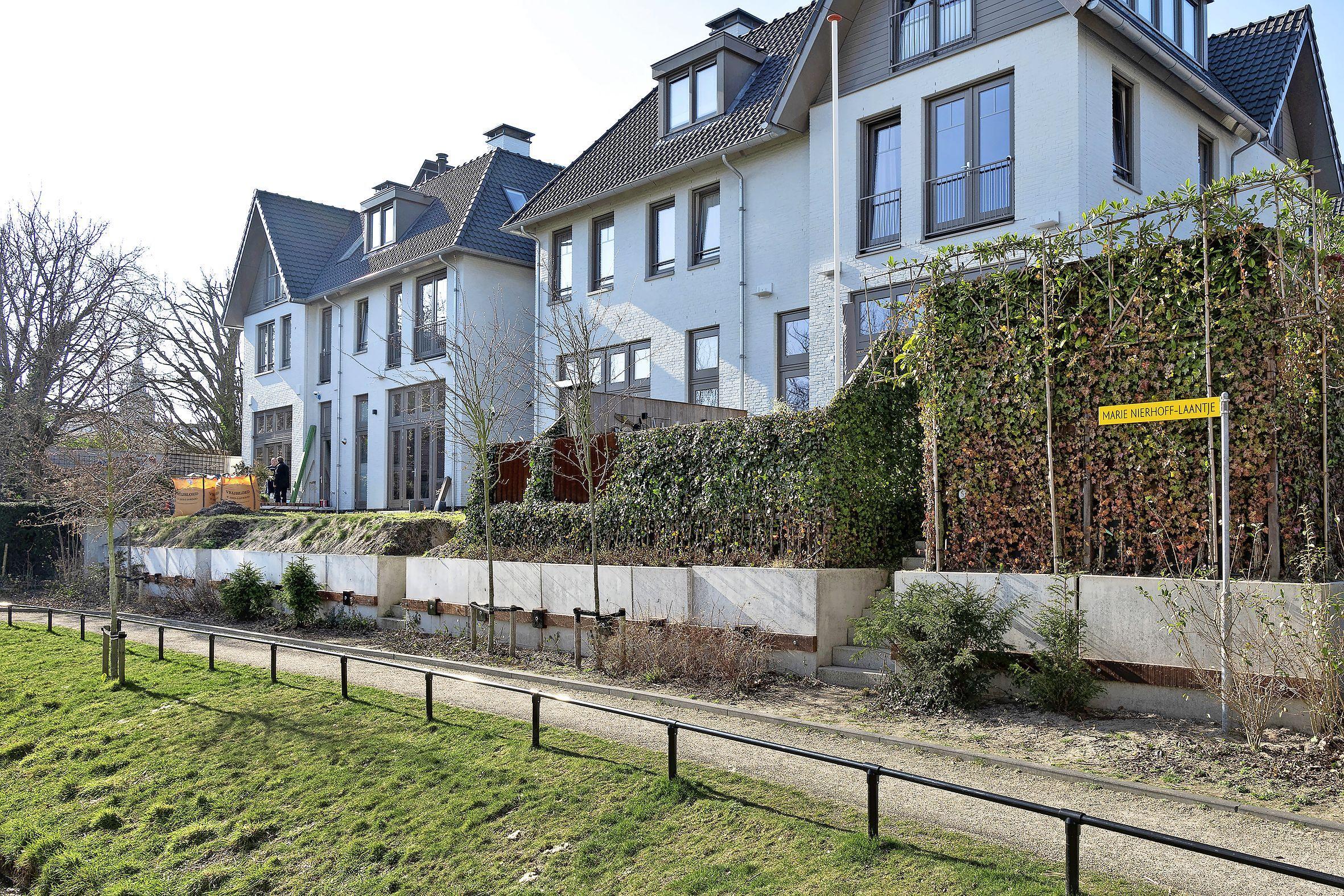 Geen raadsenquête naar bouw Bijduinhof in Bloemendaal. 'De buurt heeft rust nodig. RUST met hoofdletters'