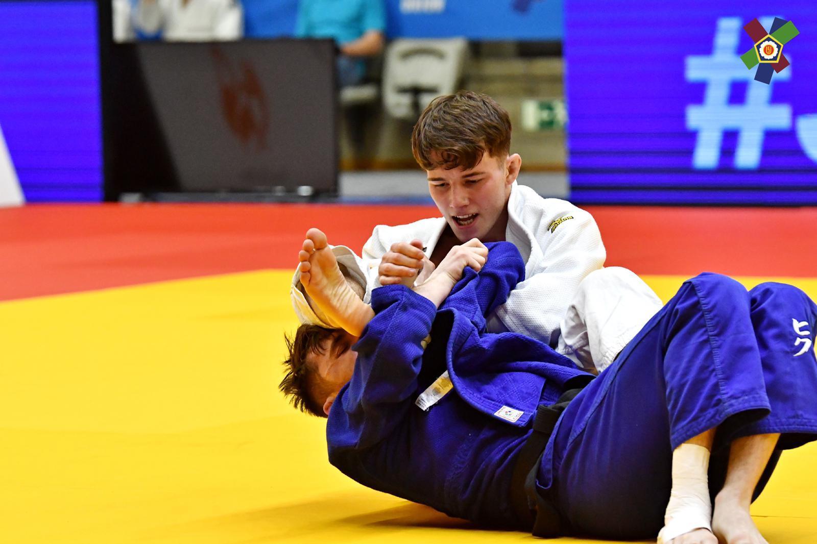 Purmerender Emiel Jaring (20) verrast in Praag: judoka pakt meteen de titel bij zijn eerste seniorentoernooi