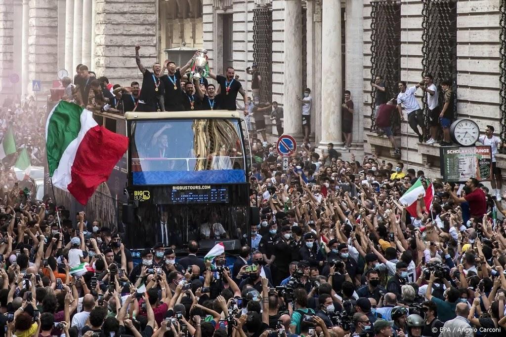 Aantal coronabesmettingen Italië stijgt door EK-feesten
