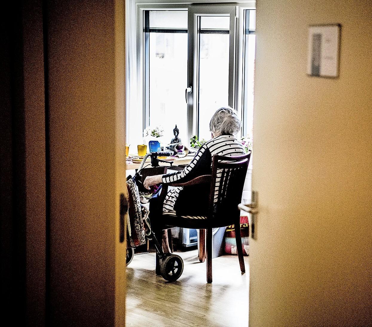 Corona-richtlijnen in zorginstellingen in Kennemerland: Bezoek aan sterfbed is in overleg mogelijk