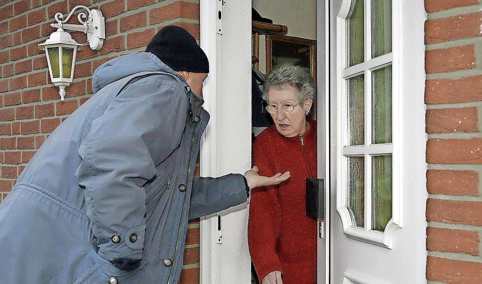 Babbeltruc-crimineel actief in Bussum. Oplichter doet zich voor als PostNL-medewerker