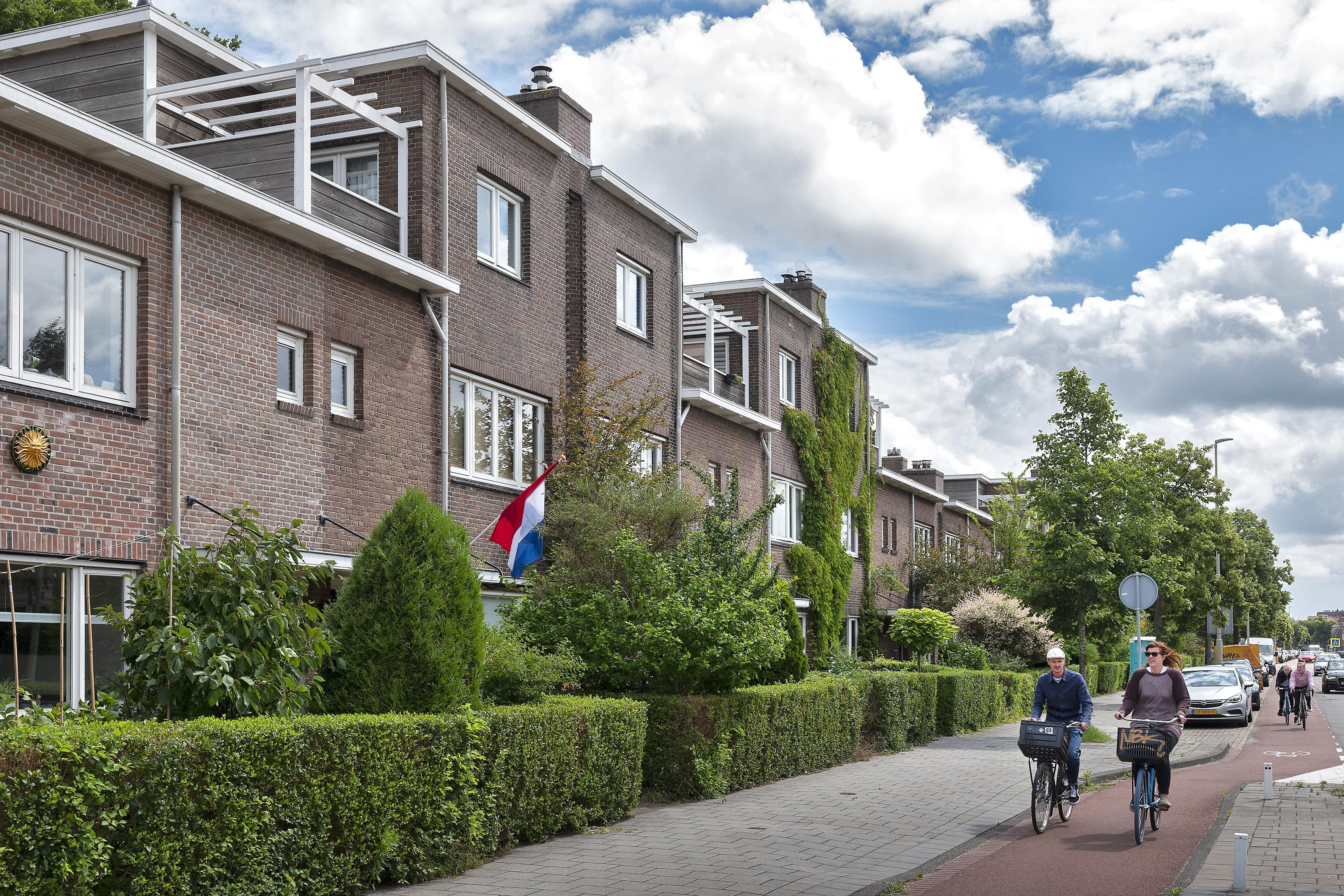 Penningmeester (84) van Haarlemse woningbouwvereniging Huis ter Cleeff verdacht van verduisteren van zes ton
