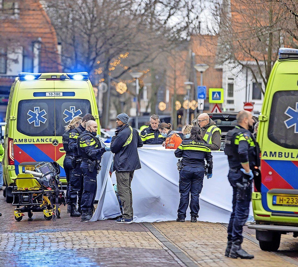 Arrestatieteam pakt nog twee verdachten op vanwege dodelijke schietpartij Bergen aan Zee. Inmiddels zitten er al elf mensen vast