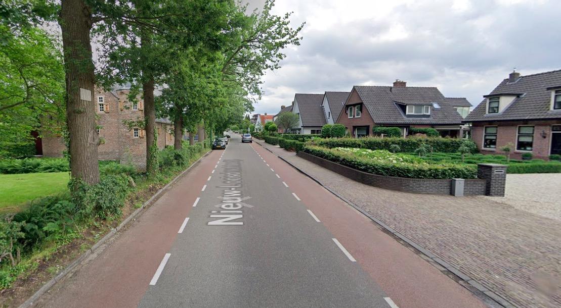 Buurt baalt van te hardrijden: petitie voor 30 km/zone op deel Nieuw-Loosdrechtsedijk