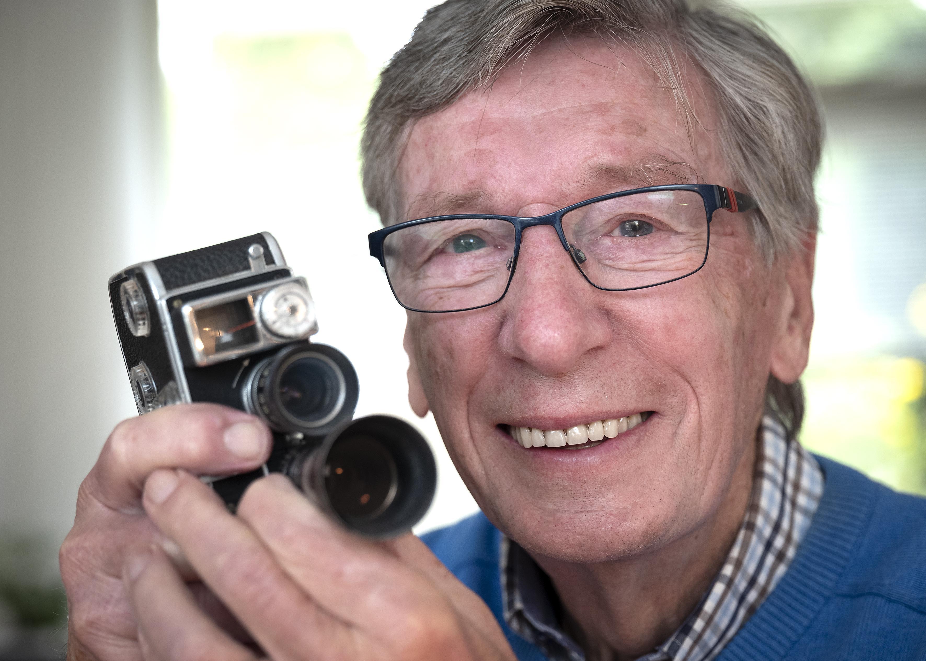Project Haarlem op Film profiteert van erfenis Dick Boer. Zoon Tom: 'Mijn vader filmde echt bijna álles, terwijl wij soms gewoon ongestoord wilden spelen'