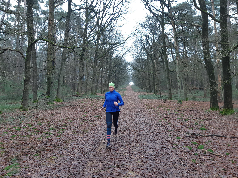 Castricumse oud-atlete Katja Staartjes reikte als eerste Nederlandse tot het dak van de wereld en is nu schrijver. 'Uiteindelijk moet je het wel kunnen relativeren, het is ook maar een berg'