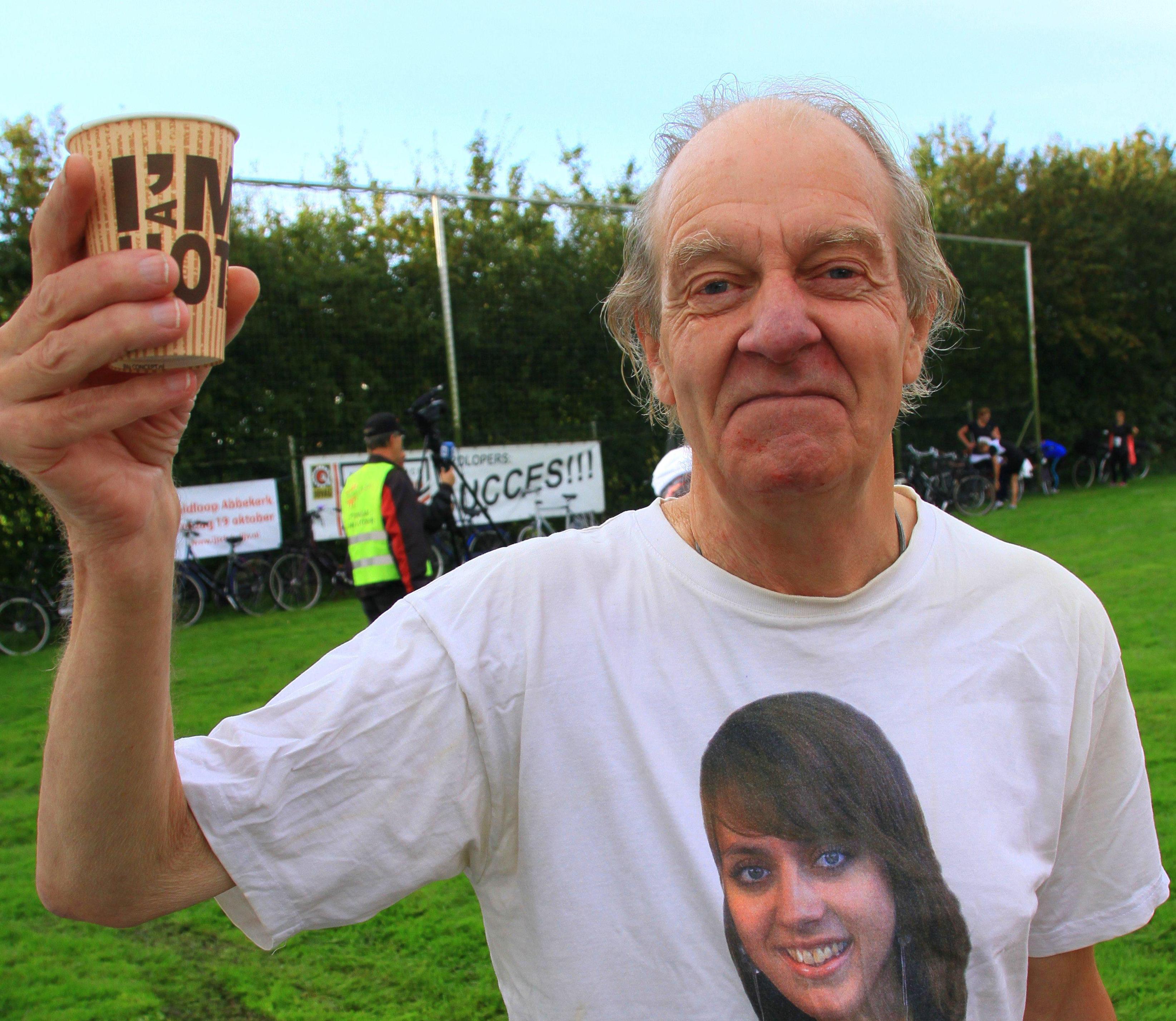 Larry Sadler leefde sober, maar nu blijkt dat hij stilletjes tonnen weggaf aan goede doelen