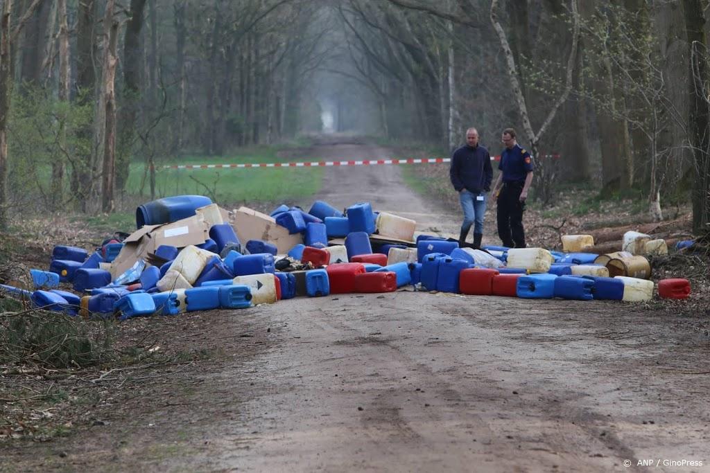 Drugsafval in honderd jerrycans en vaten gevonden in Hoogerheide