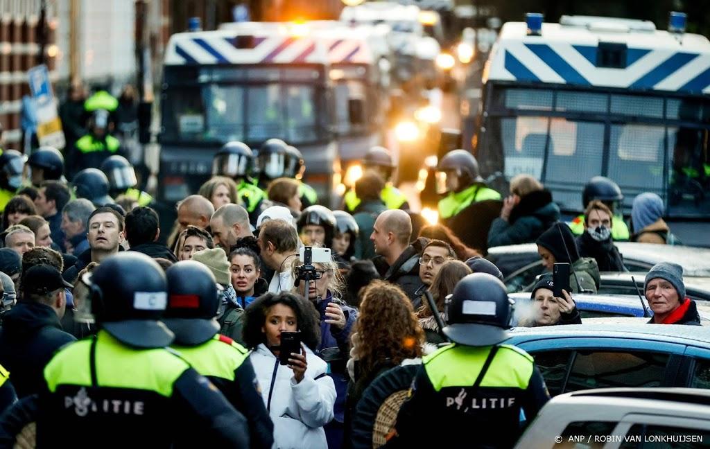 115 mensen aangehouden bij verboden demonstratie Amsterdam
