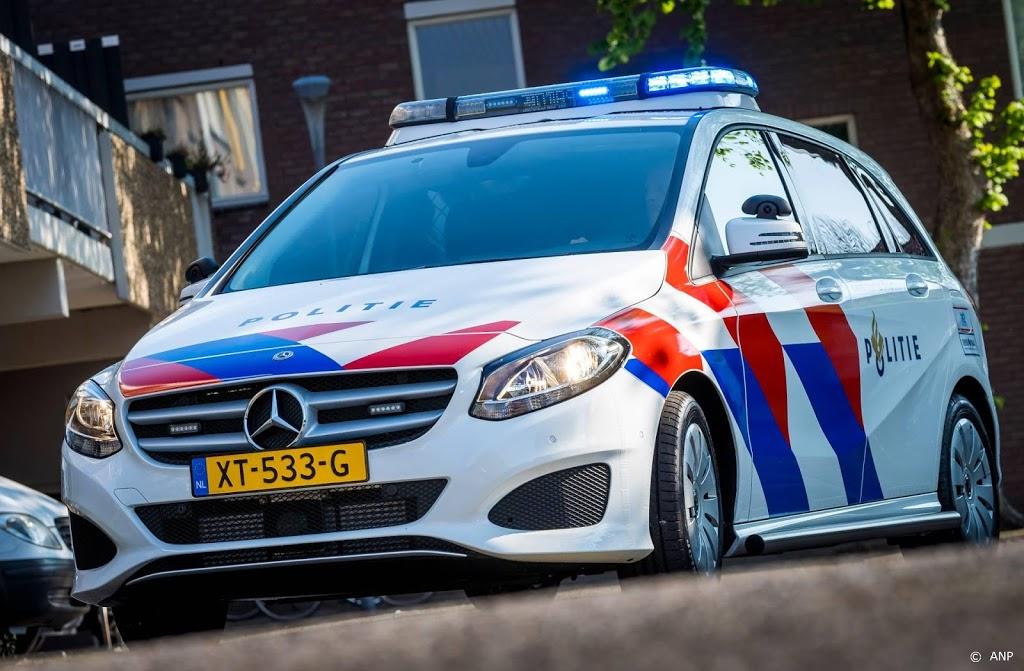Politie maakt eind aan tentfeest in Nieuw-Vennep