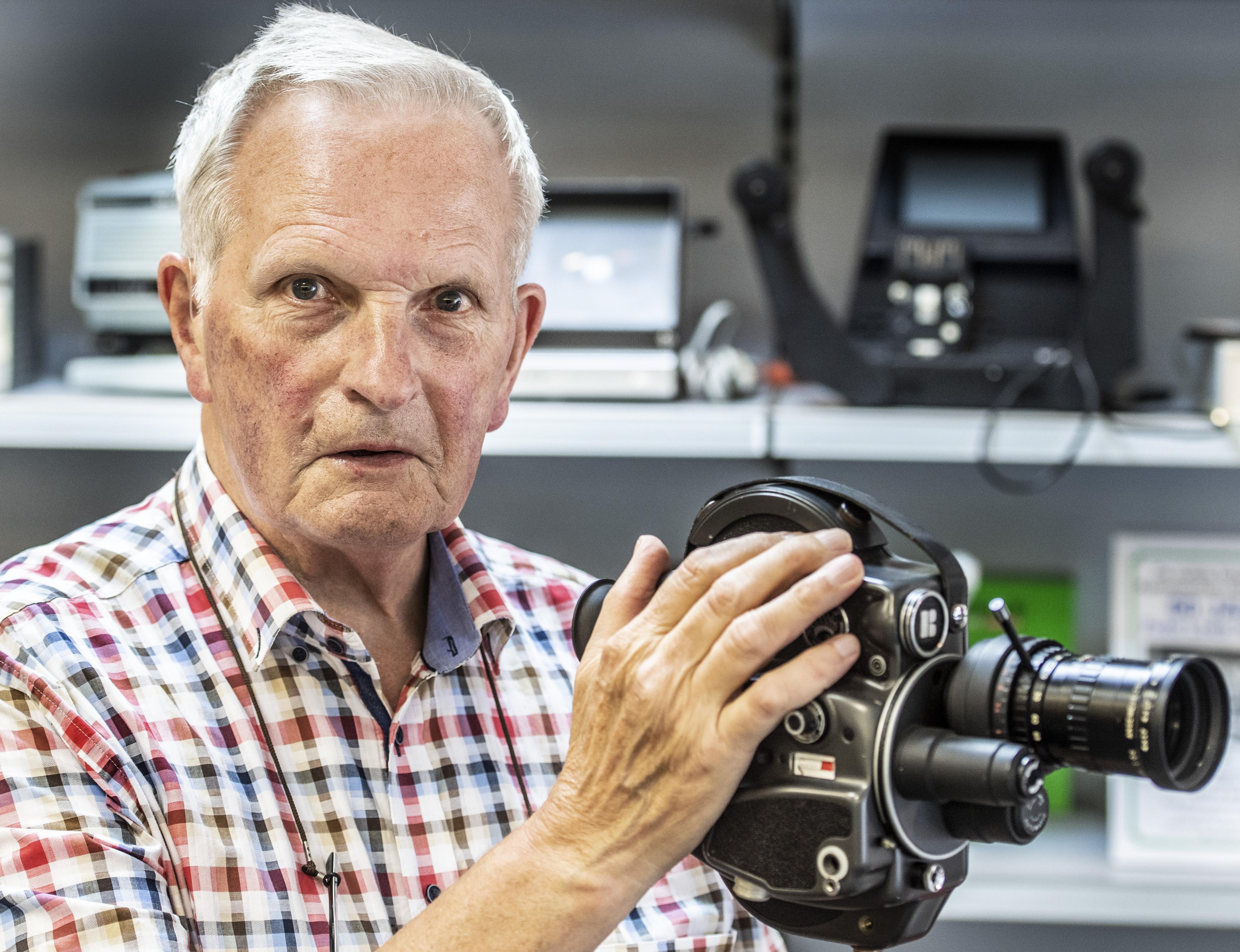 Afscheidsborrel voor scheidende fotograaf Loek Anderson uit IJmuiden