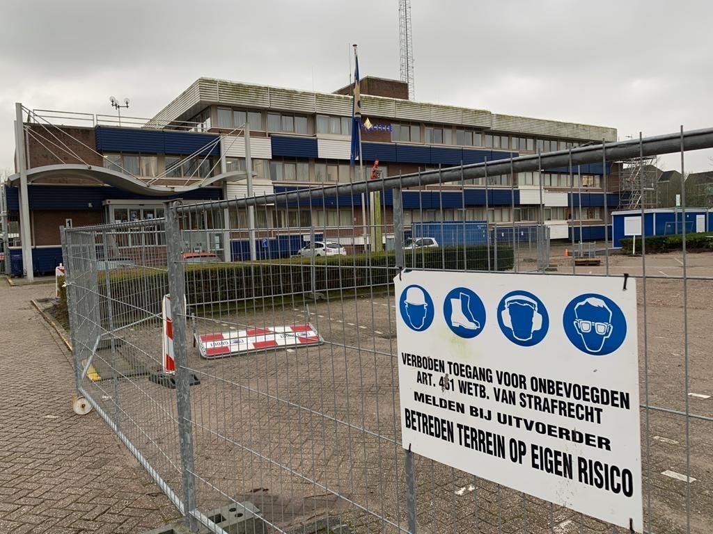 Politiebureau in Hoorn wordt verbouwd; balie tijdelijk niet toegankelijk voor mindervaliden