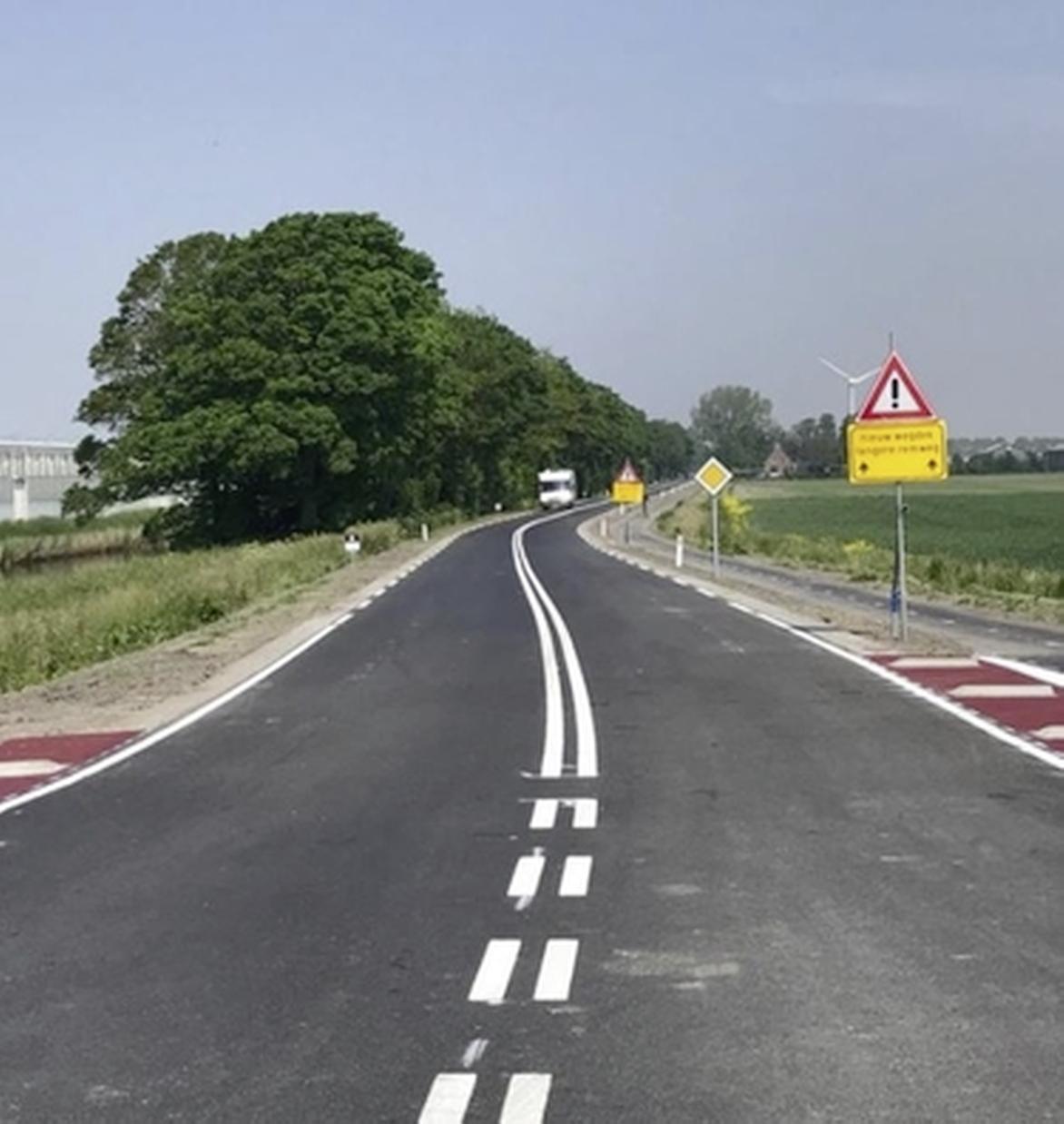 De weg die te boek staat als de gevaarlijkste in de Noordkop, moet nu een stuk veiliger zijn. Werkzaamheden N240 maand eerder klaar
