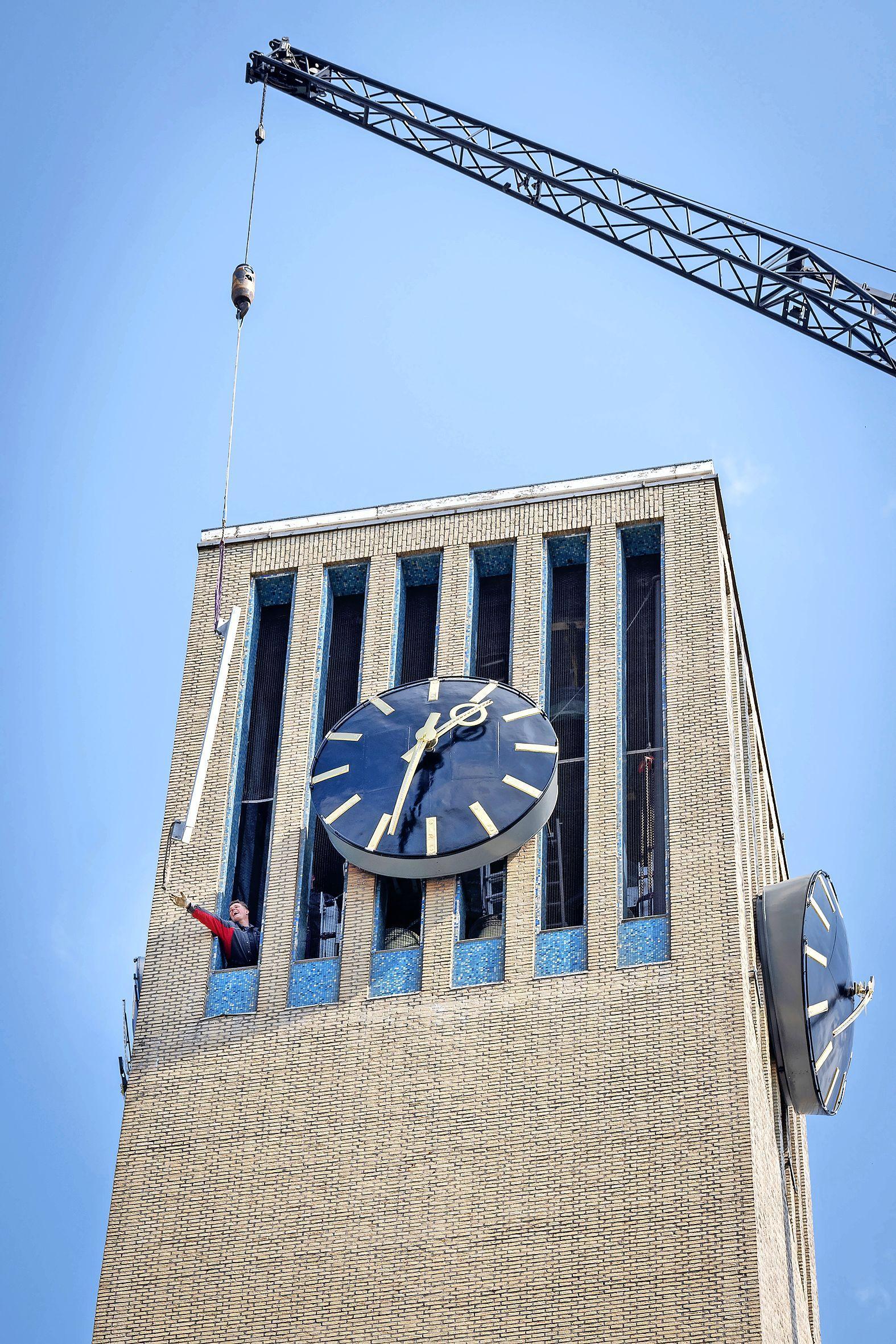 Carillon van IJmuiden binnenkort weer te horen, restauratie ging sneller dan gepland