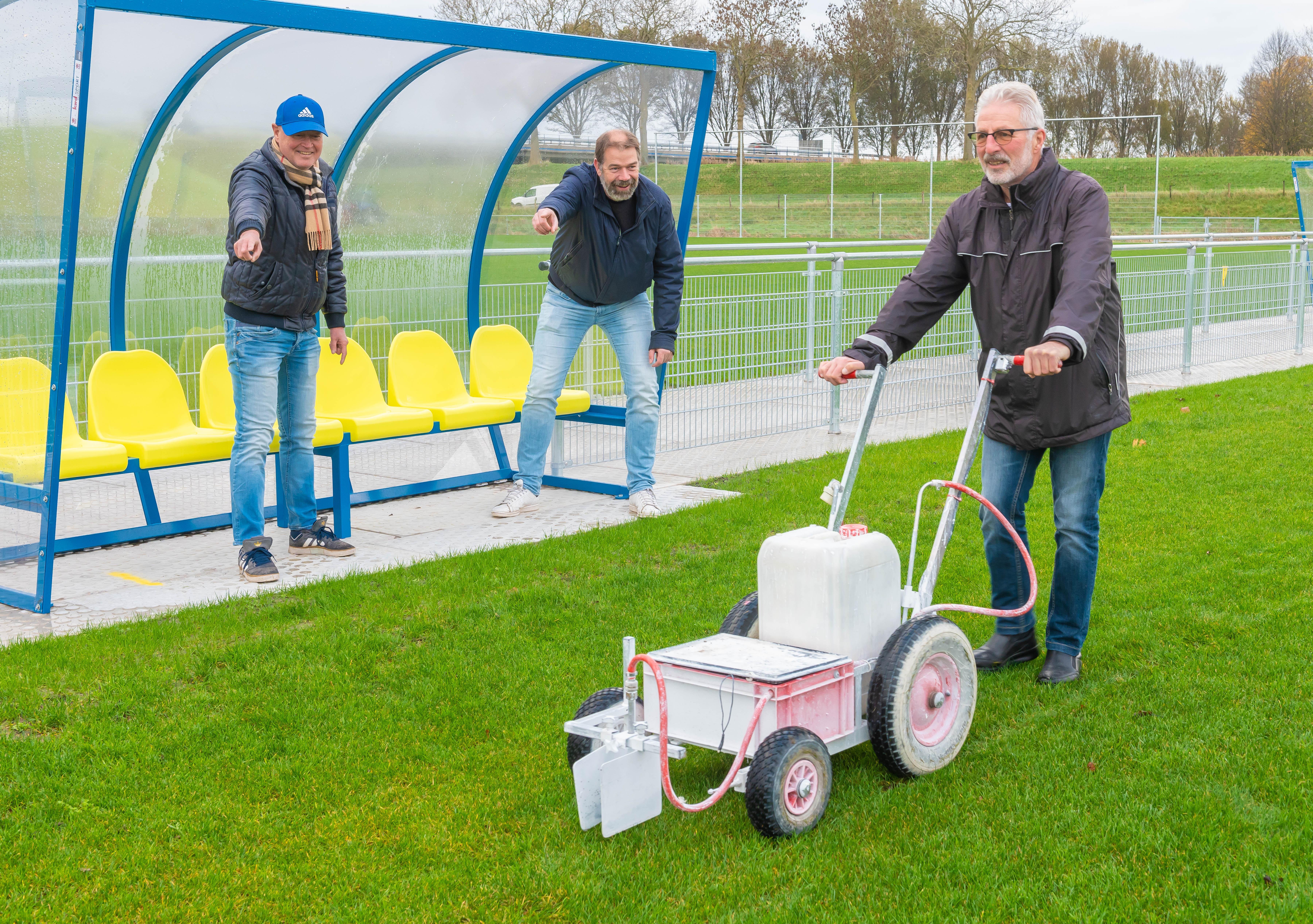De bal kan weer volop rollen bij ZOB; voetbalclub in Zuidoostbeemster is klaar voor de toekomst met twee fonkelnieuwe duurzame velden