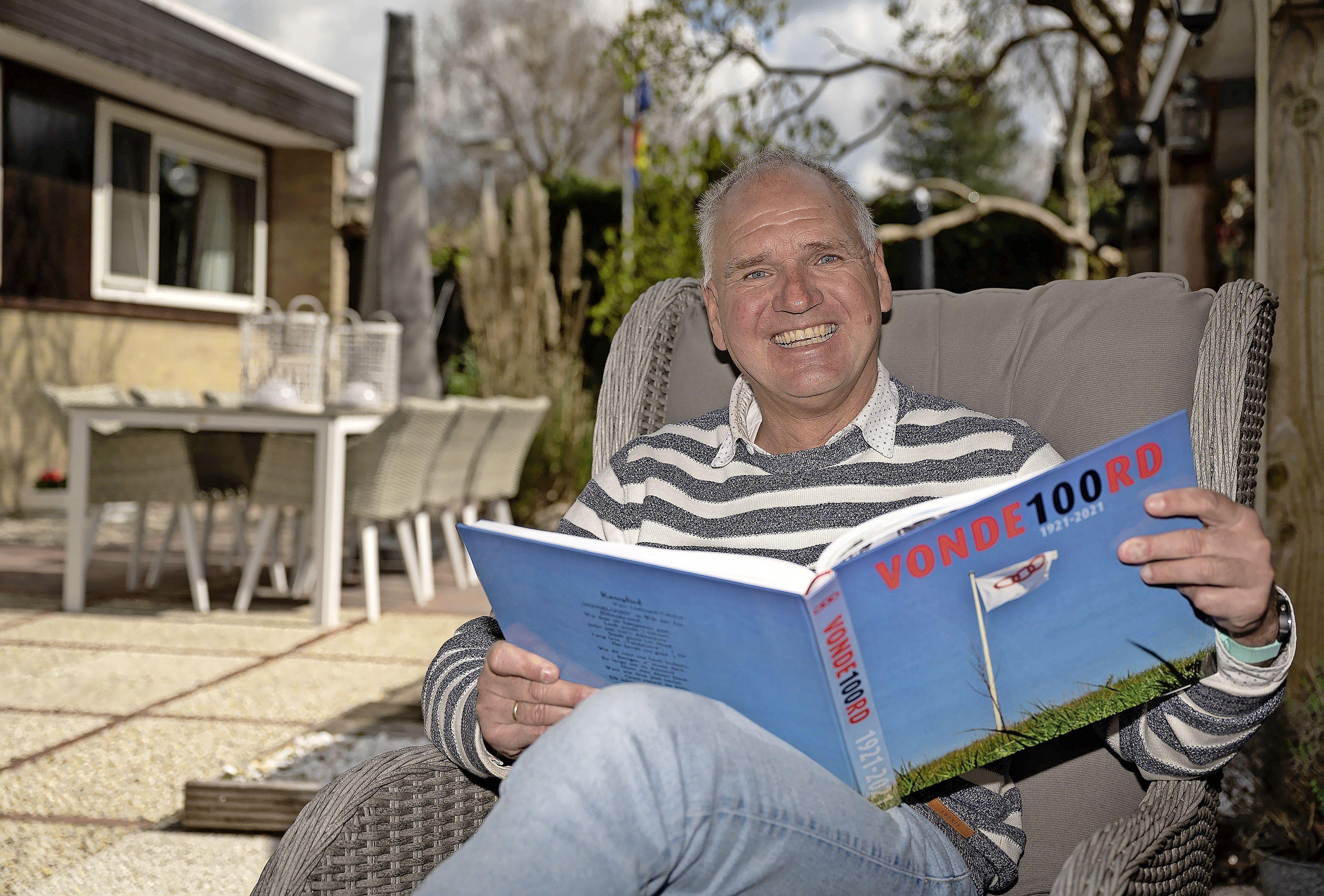 Honderd jaar 'Zaanstreek aan zee': Zaandijker Peter Schoen schrijft boek over geschiedenis van Odd Fellows-camping Vondeloord in Wijk aan Zee