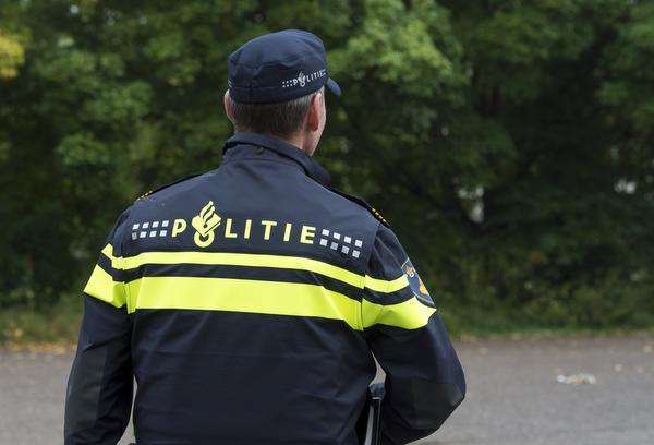 Dieven nemen navigatiesystemen mee na rooftocht op Dokweg in IJmuiden