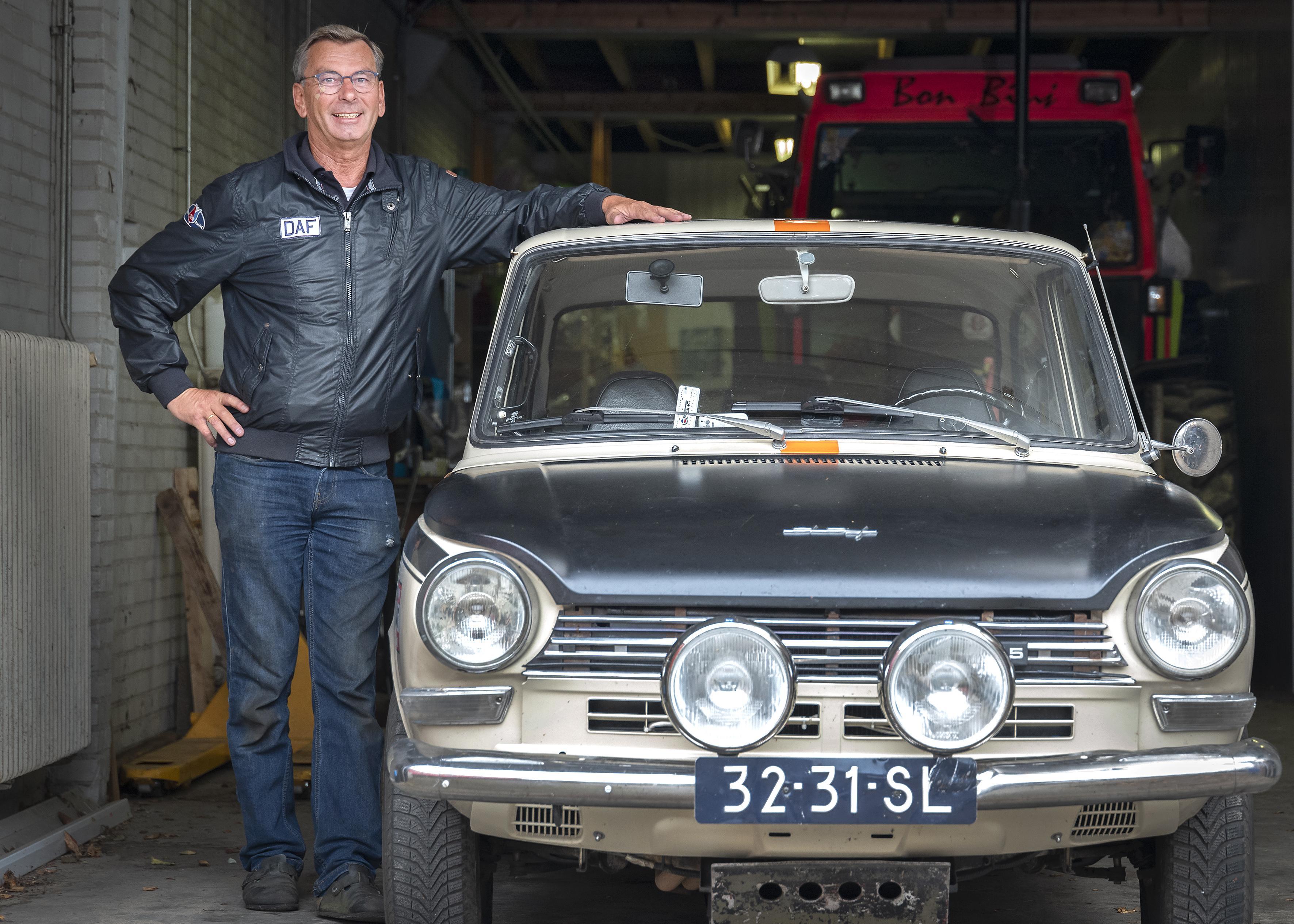 Zandvoorter John van Dam rijdt rally's in een DAF: 'Het is een wolf in schaapskleren'