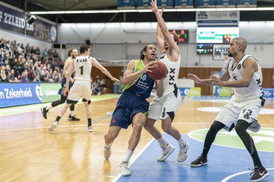 Koploper ZZ Leiden wint ruim: eerst Apollo, dan pas Zwolle [video]