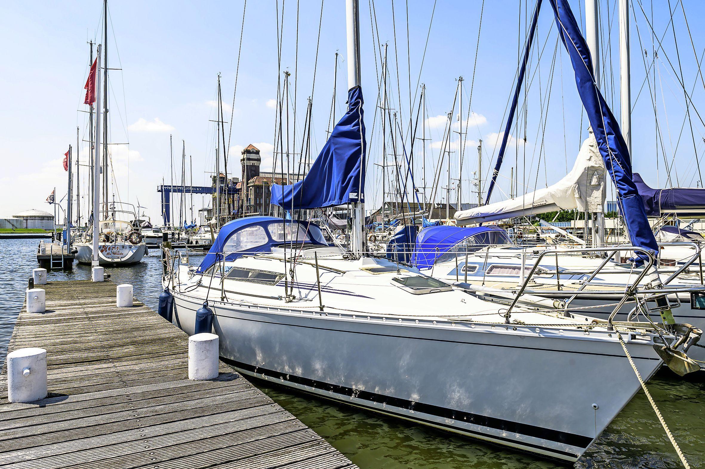 Watersportvereniging Bruynzeel in Zaandam raakt ligplaatsen kwijt; voortbestaan in gevaar