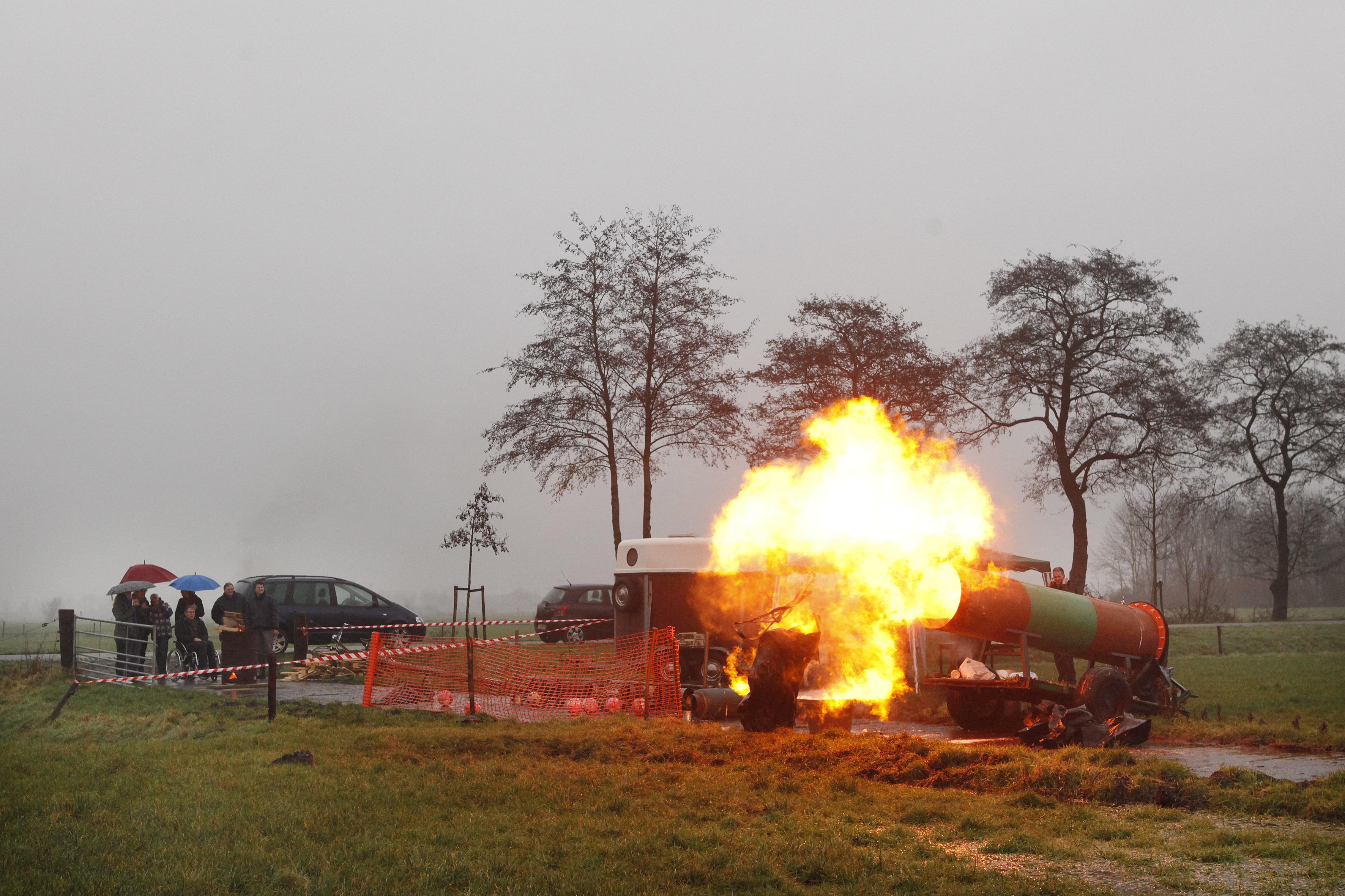 Carbidschieten deze jaarwisseling ook in Baarn en Soest verboden, al is het maar om 'carbidtoerisme' te voorkomen [video]