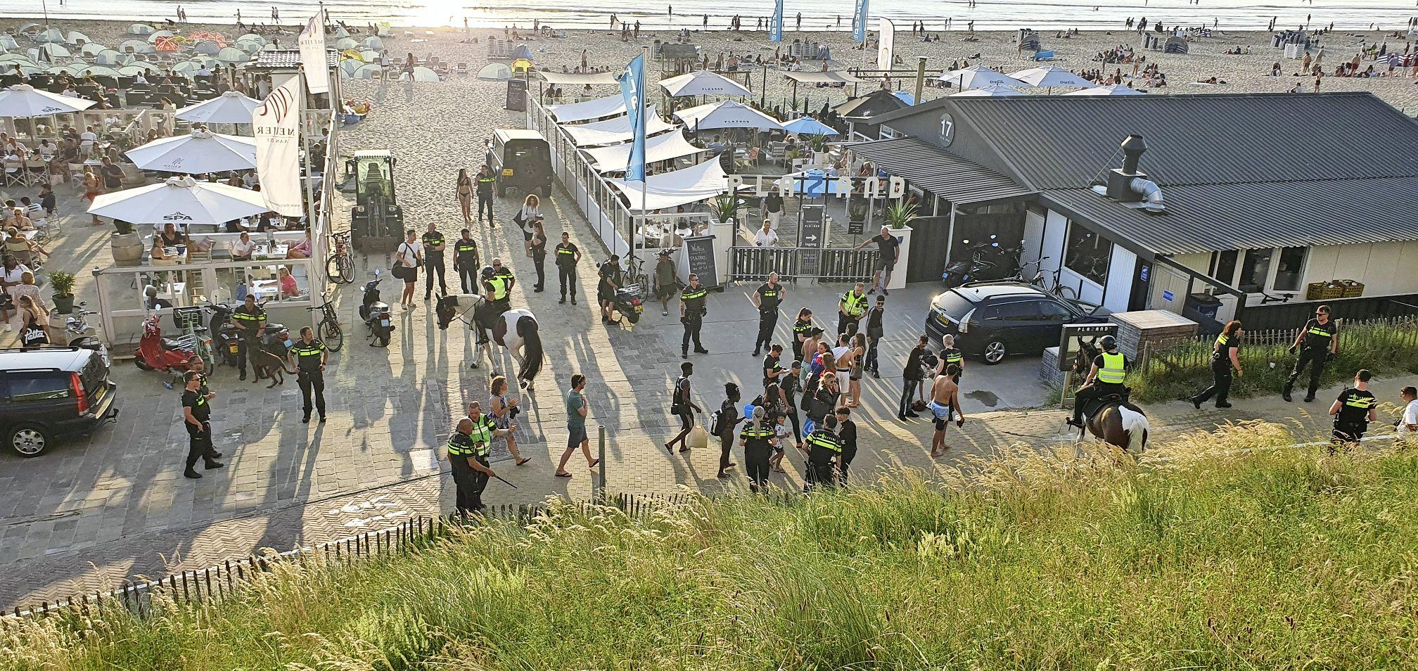 Extra politie in Zandvoort op 'heel warme dagen'