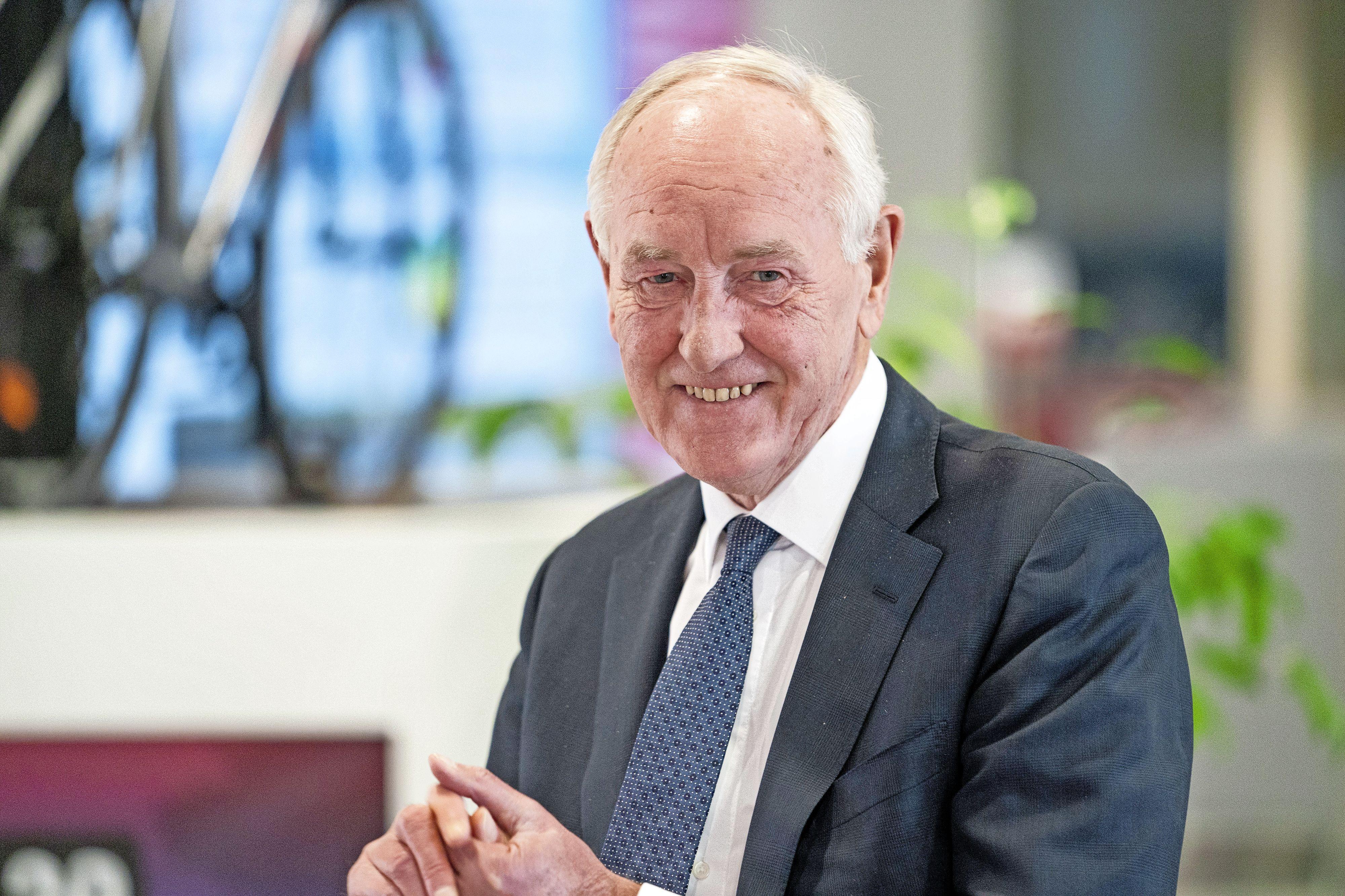 Oud-commissaris van de Koning van Noord-Holland Johan Remkes waarnemend gouverneur in Limburg