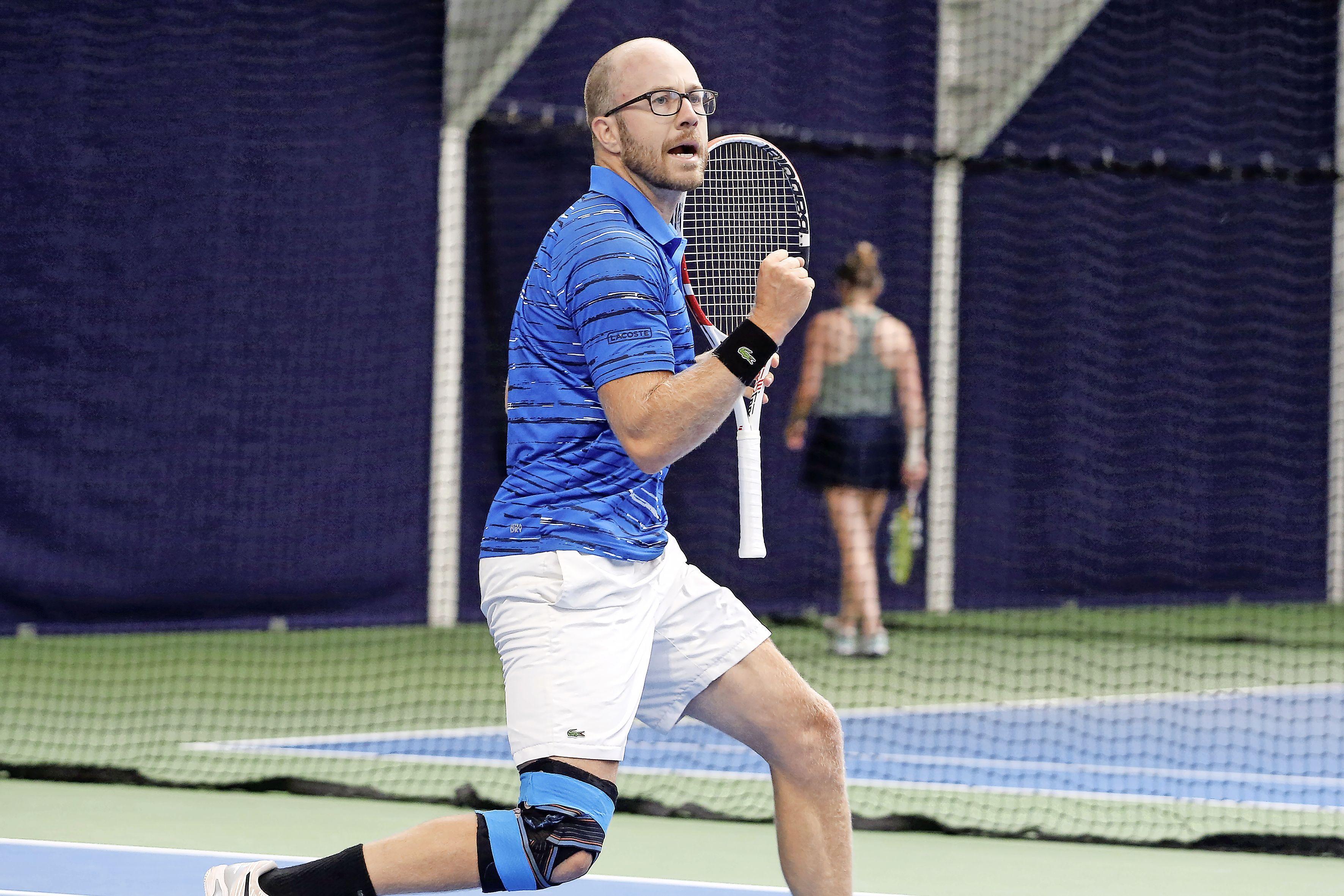 Ook met een dak boven zijn hoofd maakt Daniël Fennis favorietenstatus waar bij verregende 'thuiswedstrijd' Hoogerheide Open