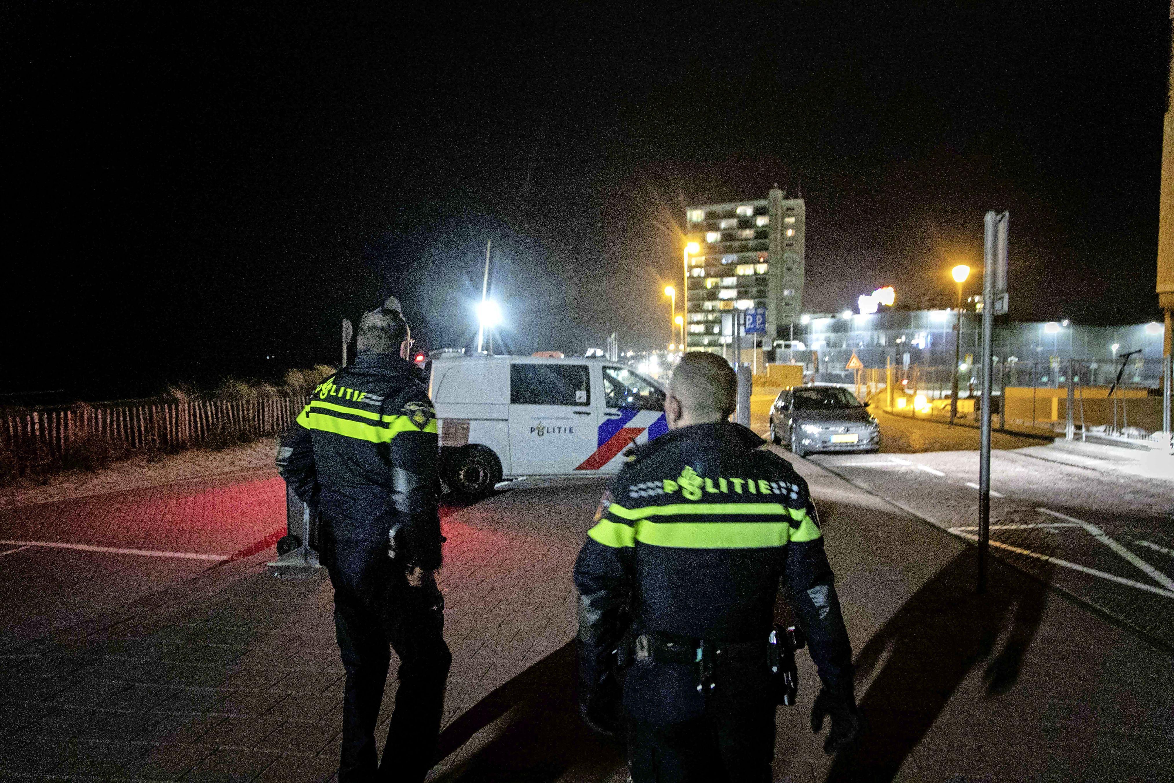 Halfnaakte inbreker met pepperspray op zak aangehouden op boulevard in Zandvoort