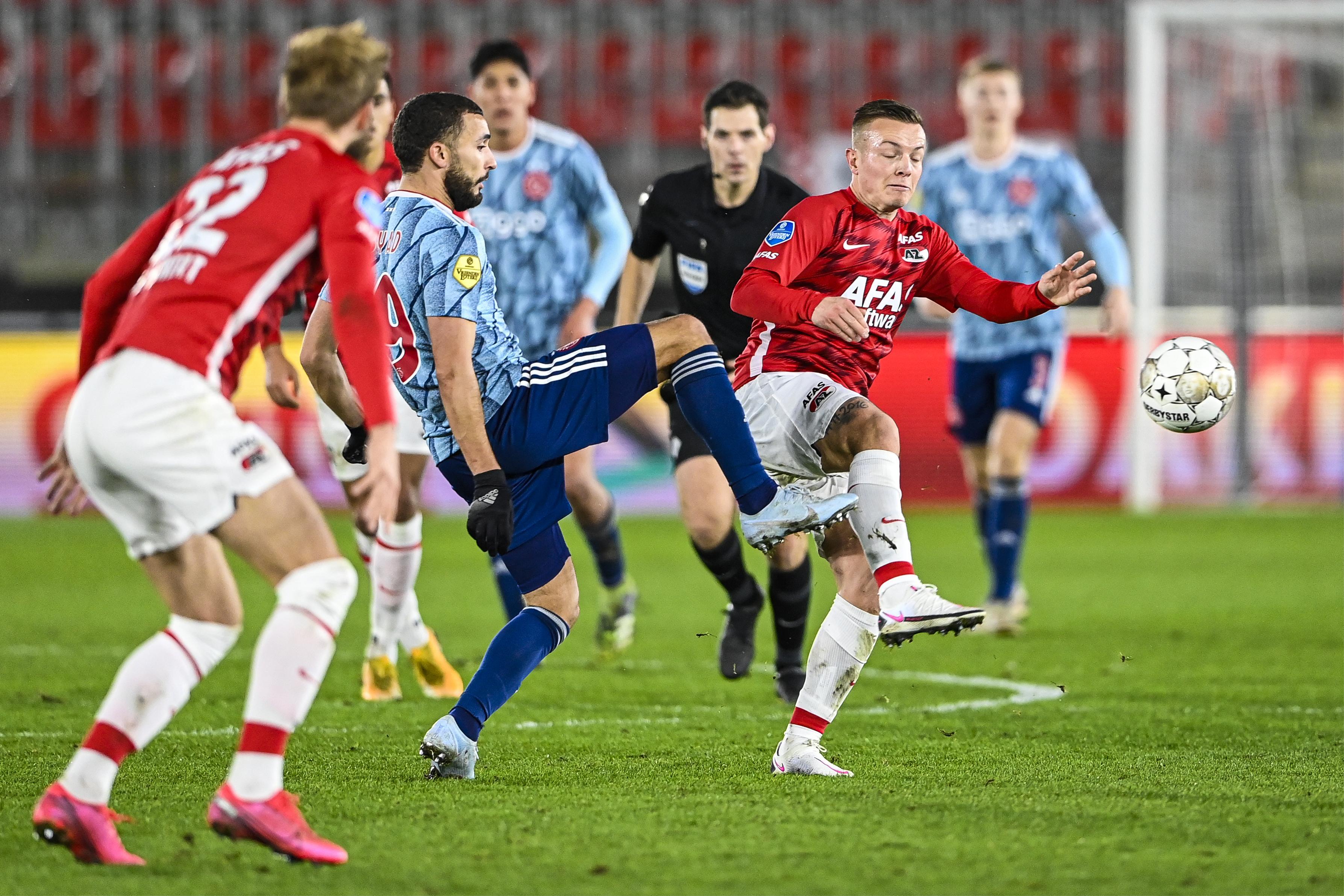 Tweede keus van Ajax gooit AZ uit het bekertoernooi na teleurstellende topper