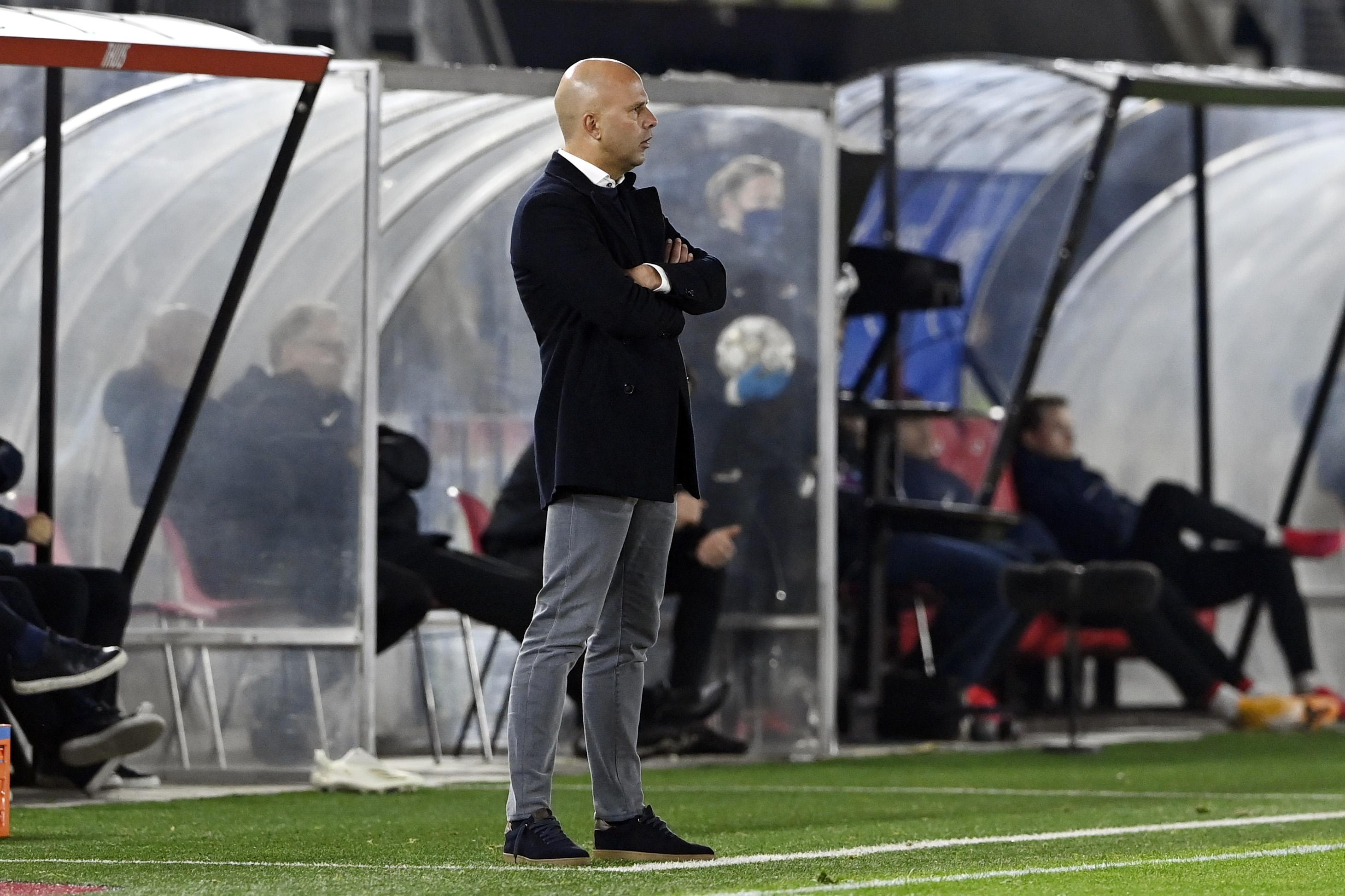 AZ-trainer Arne Slot over corona-uitbraak in selectie: 'We zijn niet laks geweest' [video]