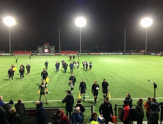 Wedstrijd Jong AZ-FC Volendam stilgelegd door onweer
