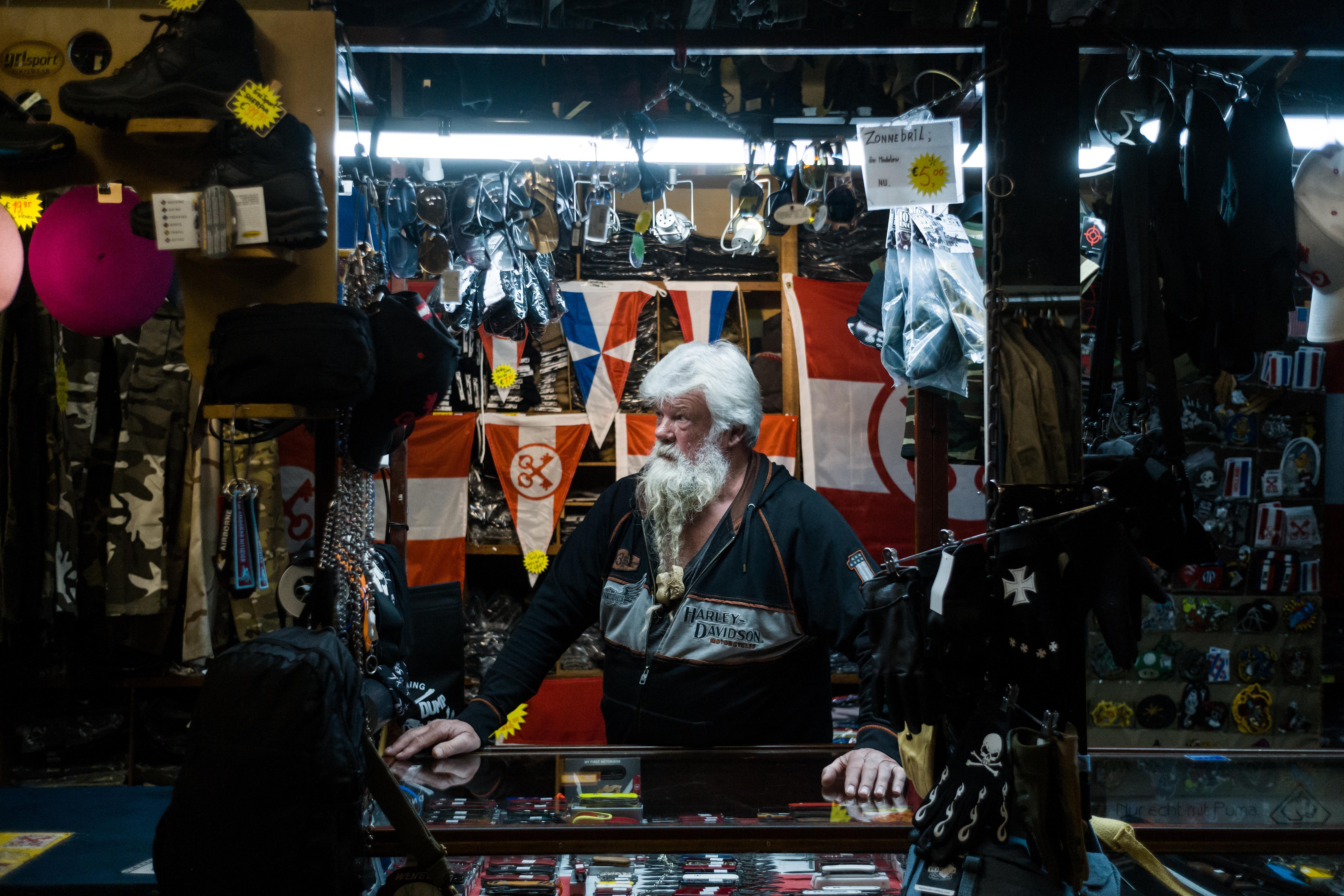Typisch Leiden portretteert bijzondere inwoners van de stad in hun dagelijks leven: 'De sfeer is hier gemoedelijk en dorps' [video]