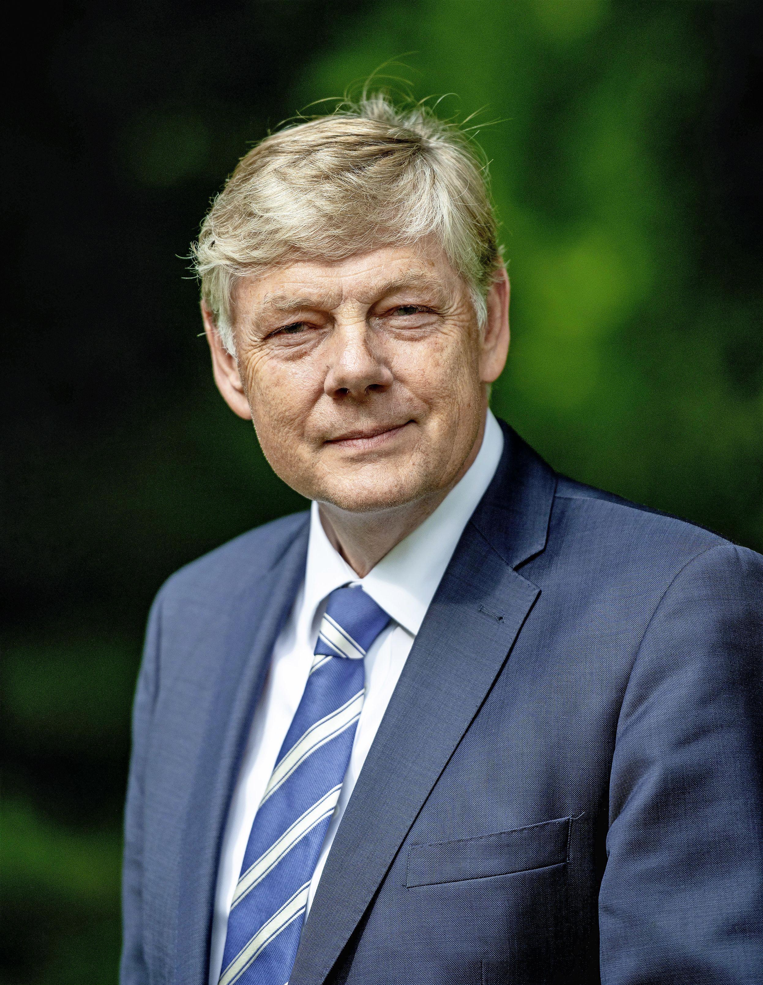 Burgemeester Roest van Bloemendaal doet aangifte bij rijksrecherche van lekken rond Slewe-deal