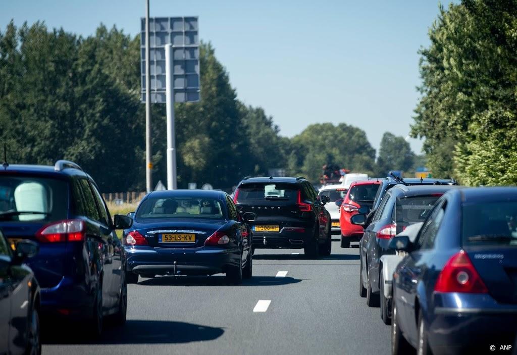 Drukte bij De Horsten, politie roept op thuis te blijven
