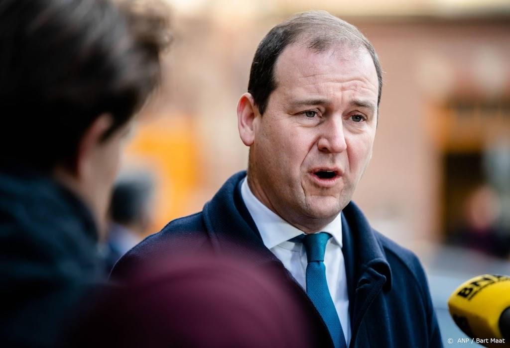 Motie tegen Asscher kreeg steun van een derde PvdA'ers