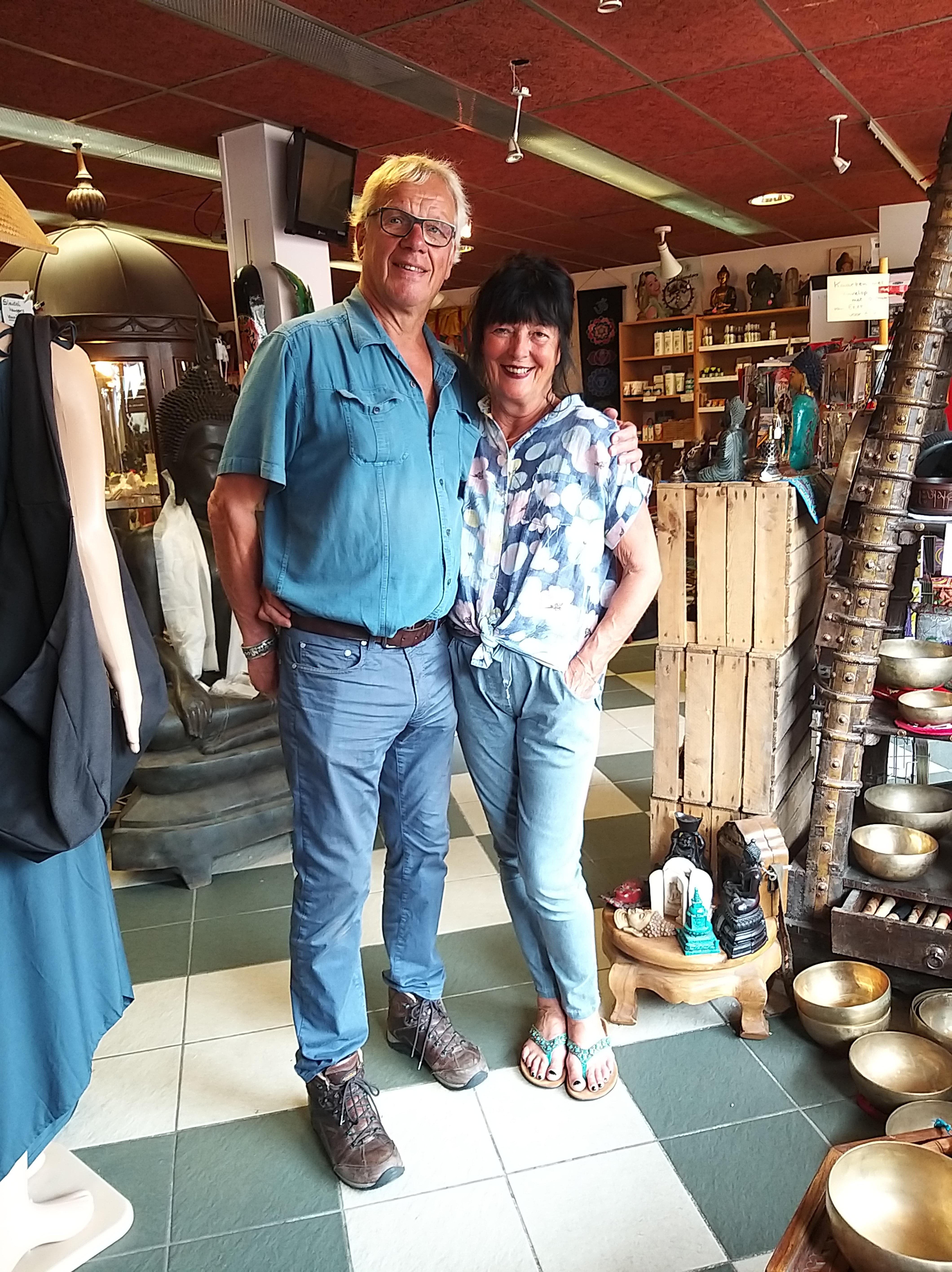 Anke en Ad Koop stoppen met hun winkeltje met speciale snuisterijen in Santpoort