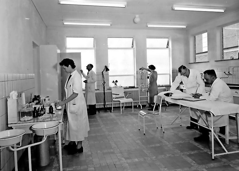 Verpleegkundigen van Rode Kruis Ziekenhuis bemannen al 25 jaar verbandkamer op Tata Steel: 'De verbandkamer is uniek in heel veel opzichten'